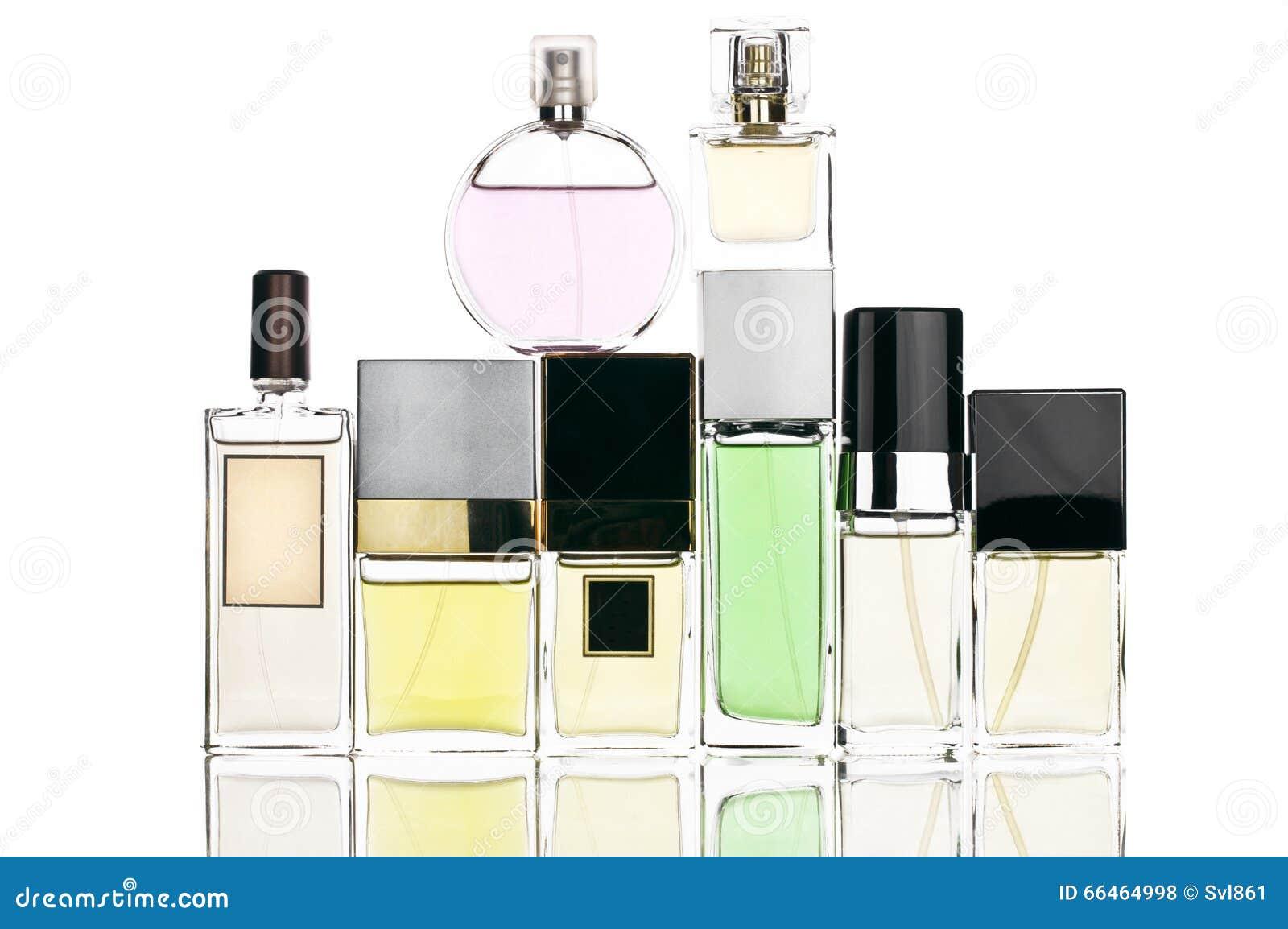 Vários perfumes ajustados