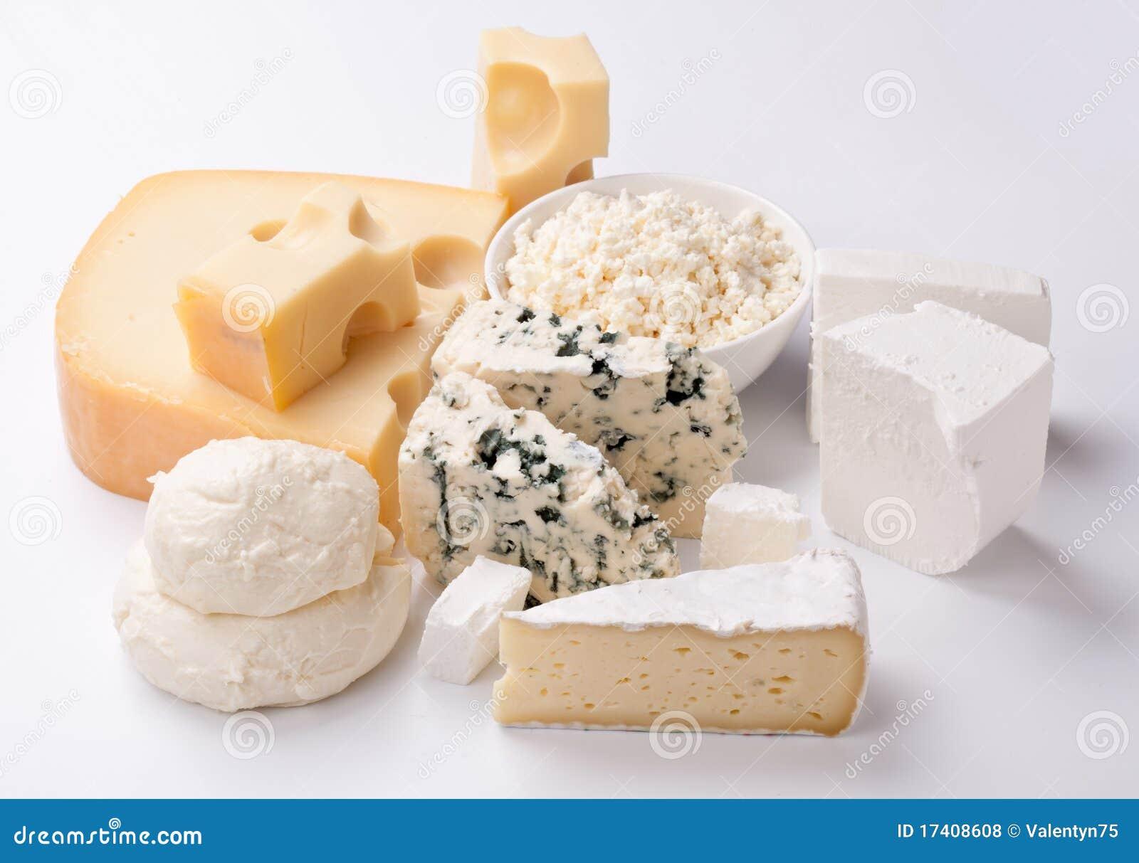 Vários tipos de queijos.