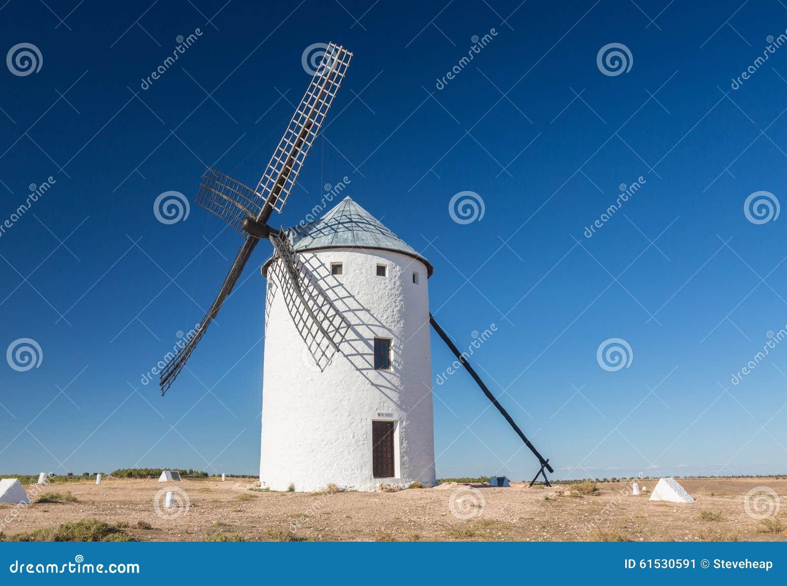 Väderkvarn på Campo de Criptana La Mancha, Spanien