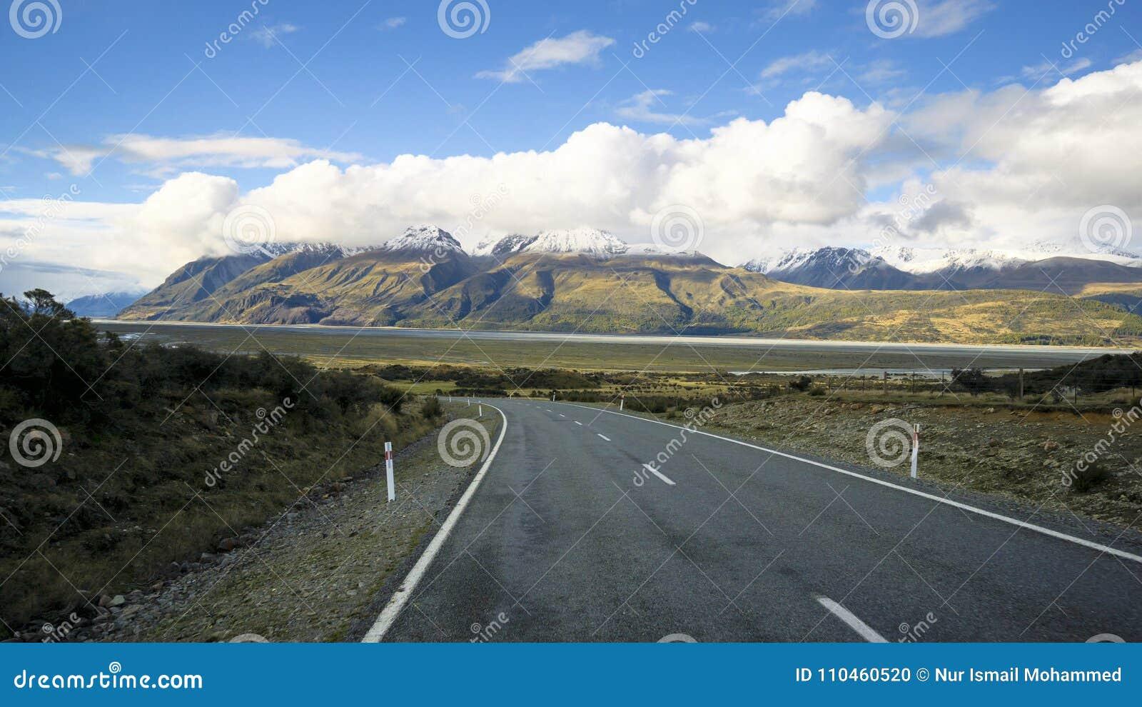 Väg till och med den Aoraki monteringskocken National Park, Nya Zeeland