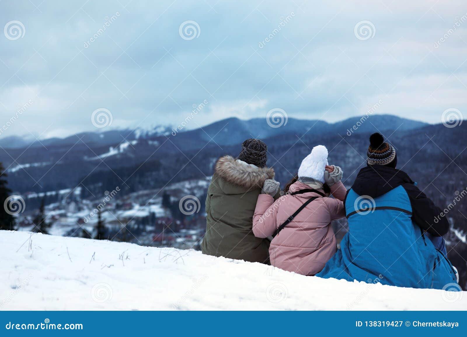 Vänner som tycker om berglandskapet, utrymme för text