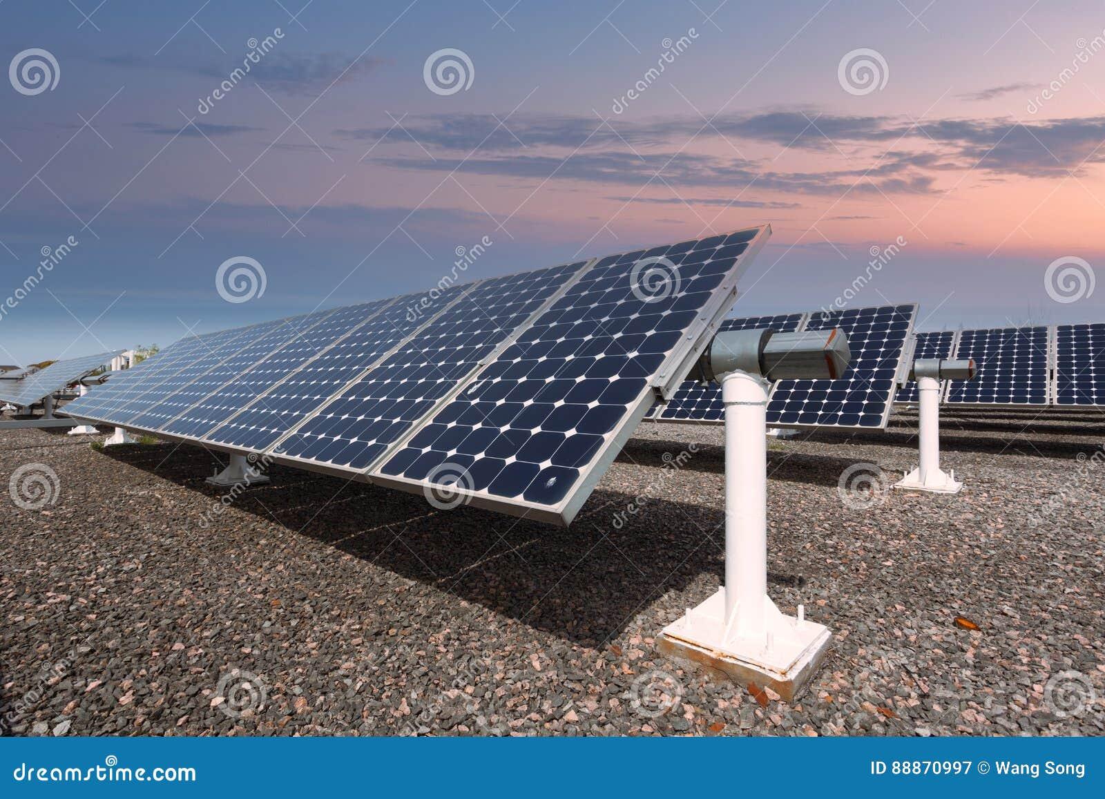Värld för nya paneler för energi för applikationutveckling sol- hel