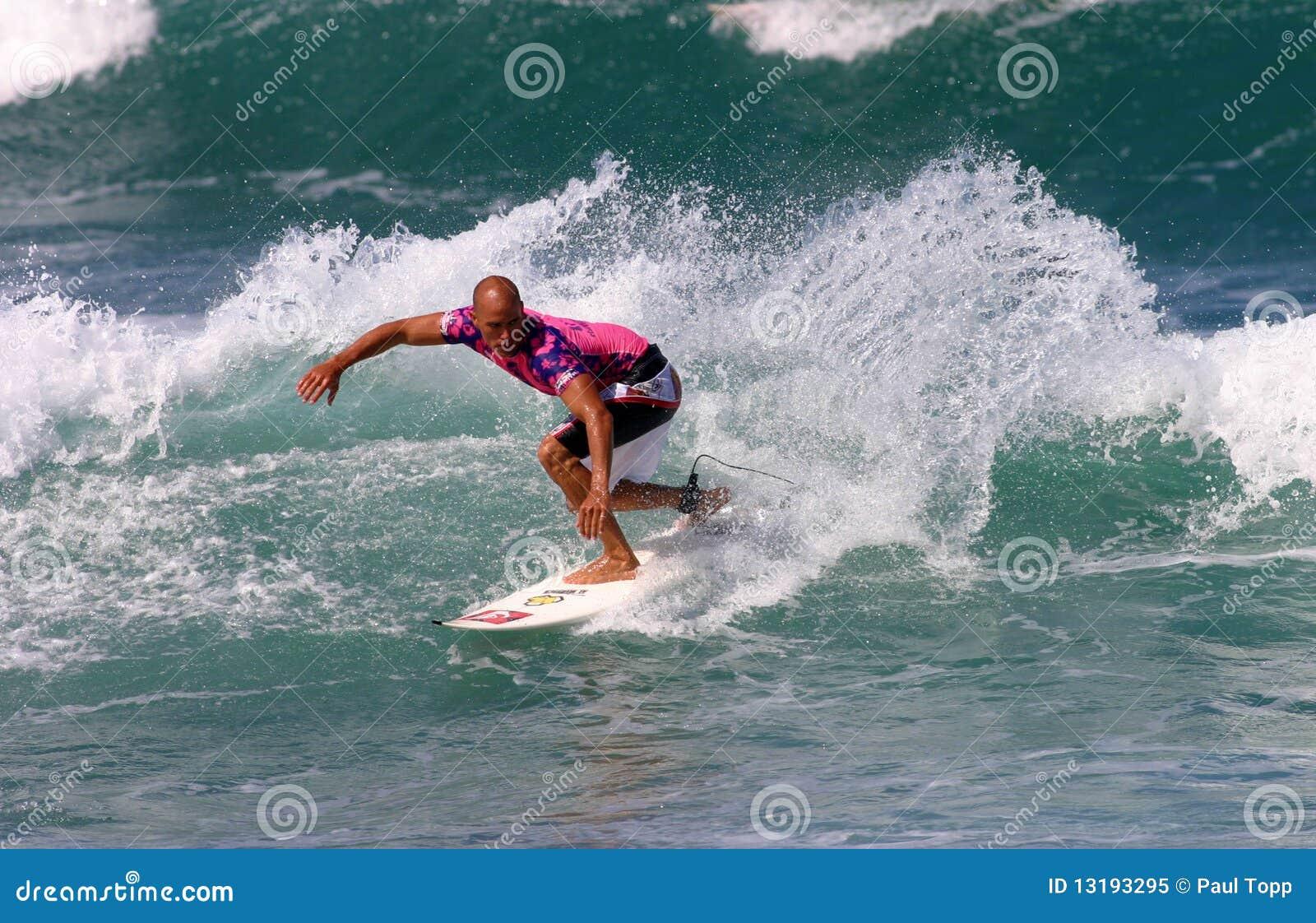 Värld för surfare för mästarekelly skiffertäckare surfa