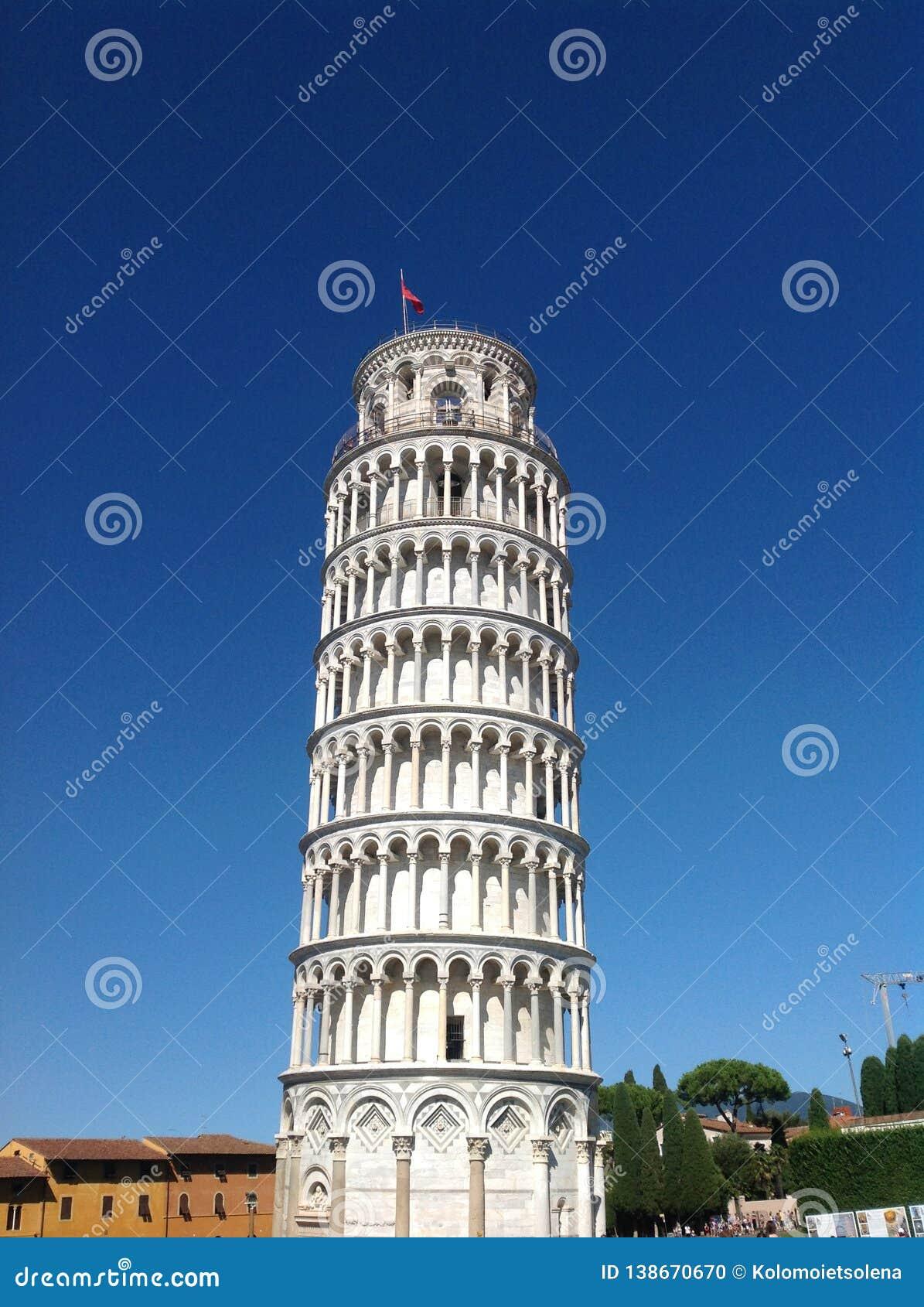 Världsomspännande berömt lutande torn av Pisa