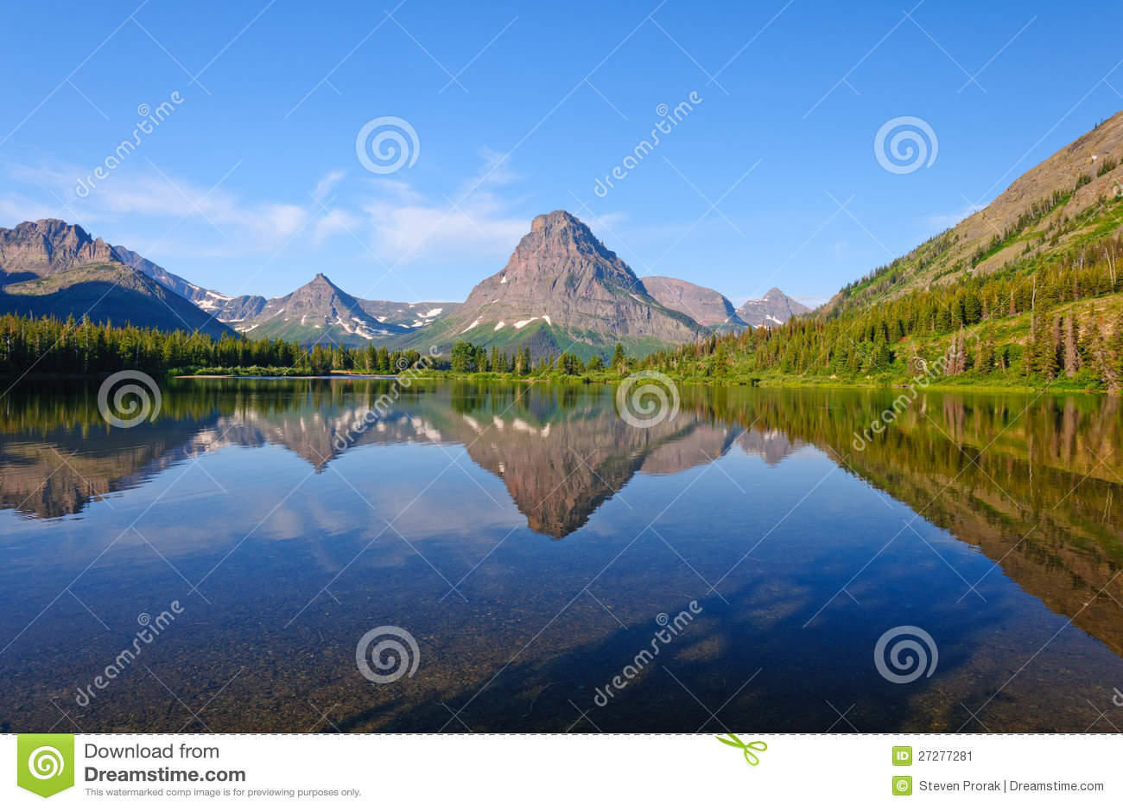 Västra lake och berg i otta