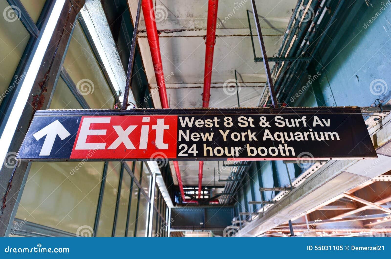 Västra 8th gatagångtunnelstation - Brooklyn, NY