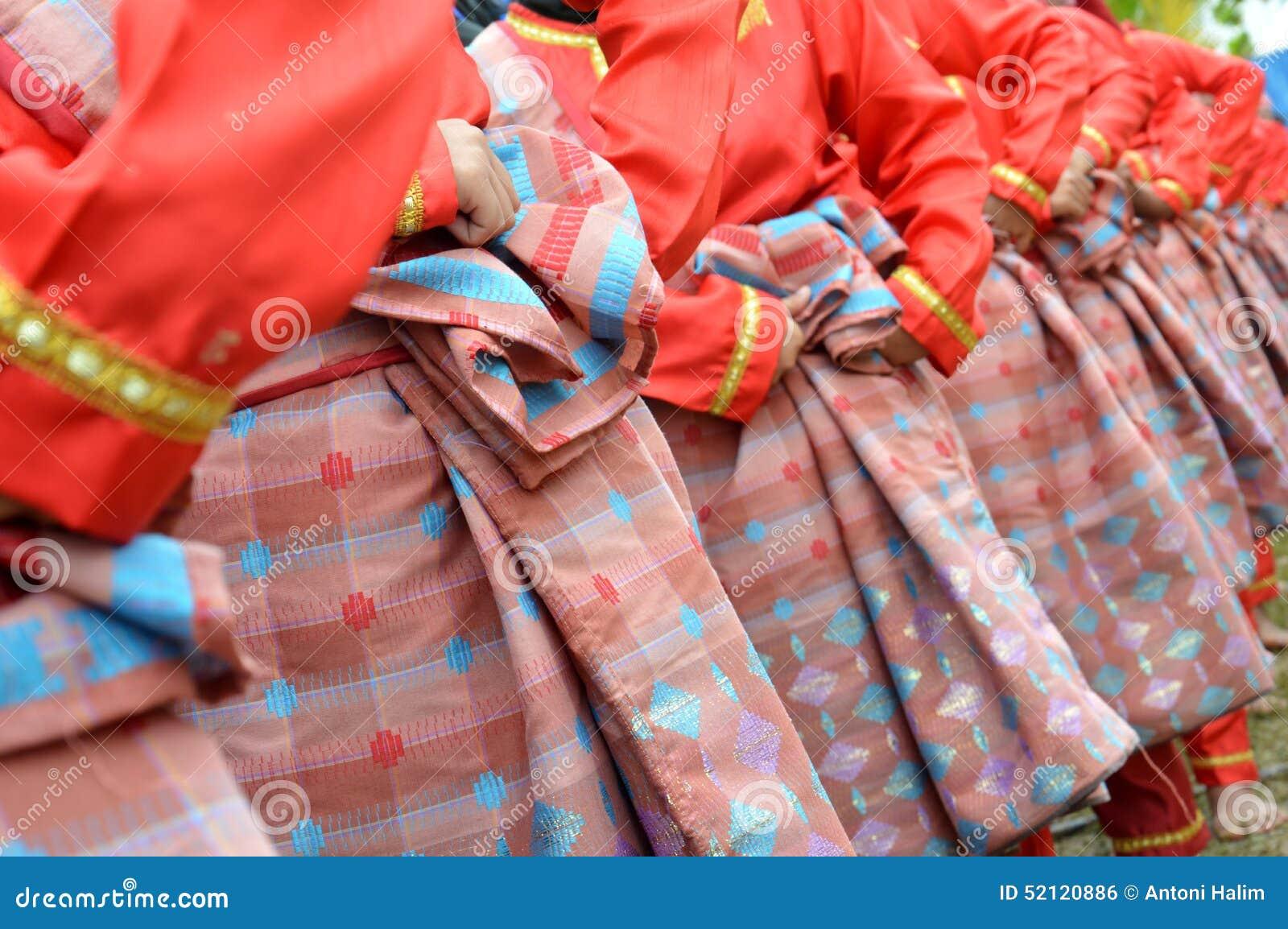 Vävde siden- saronger