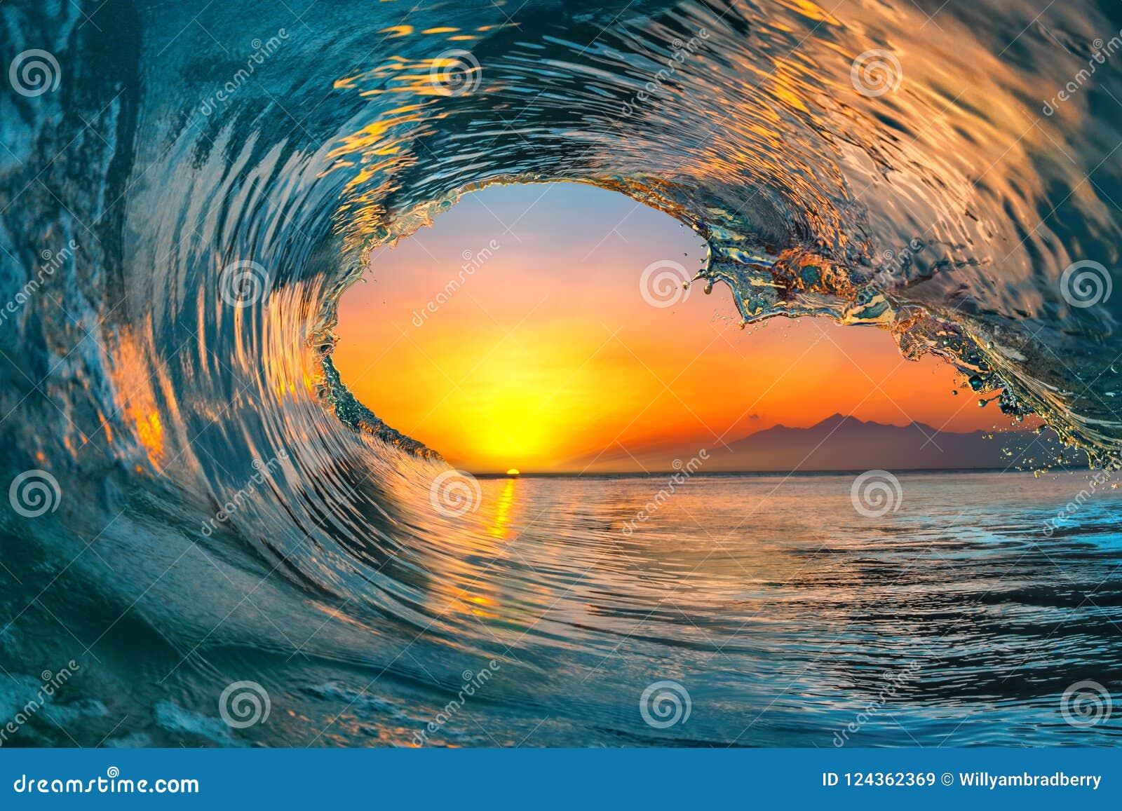Våg för hav för havsvatten som surfar vattenyttersida
