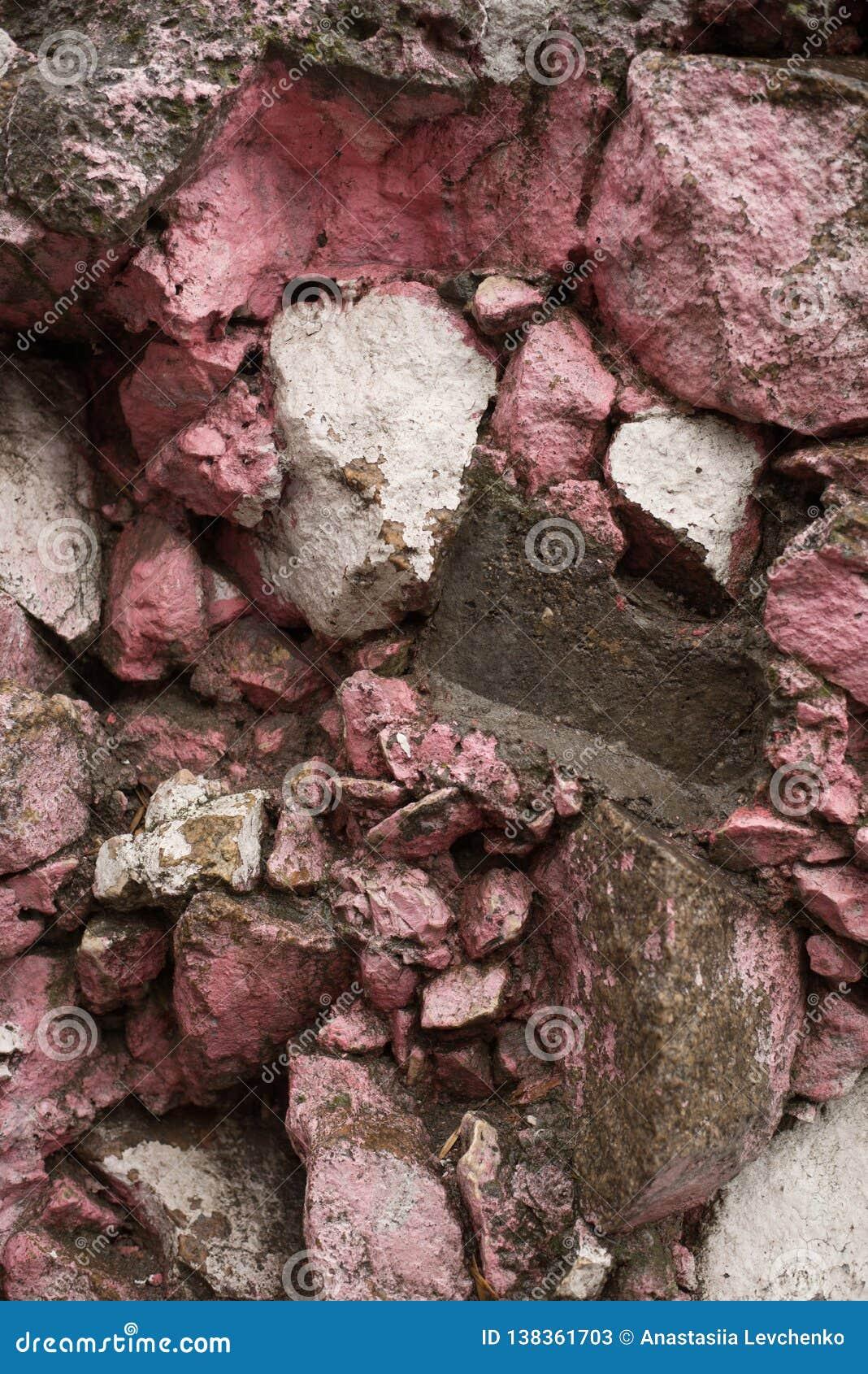 Våt bakgrund för stenvägg textur för mossrocksten