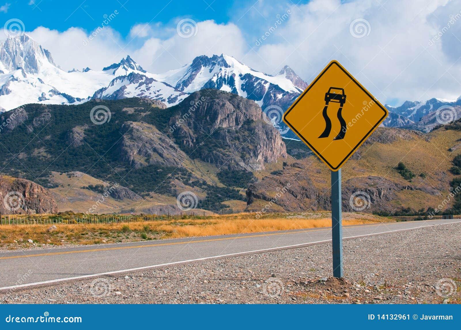 Våt hal varning för vägmärke