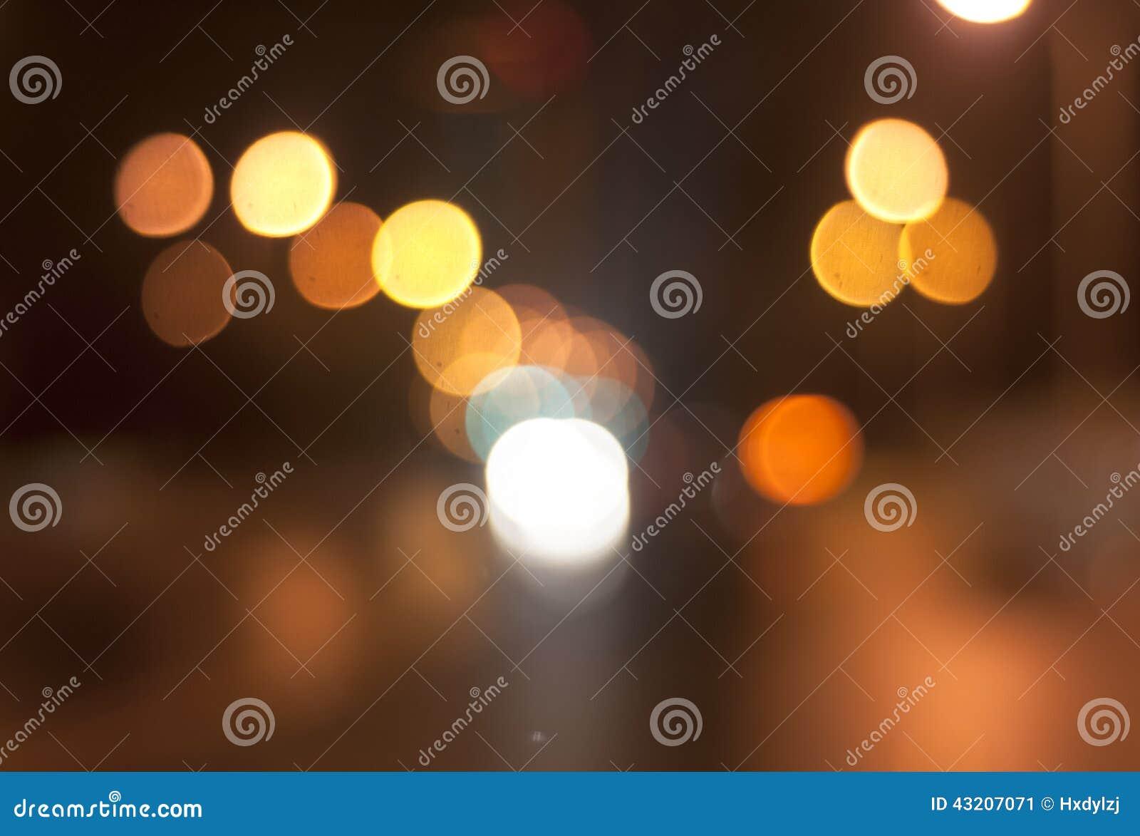Download Vått Fönster Med Bakgrund Av Nattstaden Fotografering för Bildbyråer - Bild av modernt, mörkt: 43207071