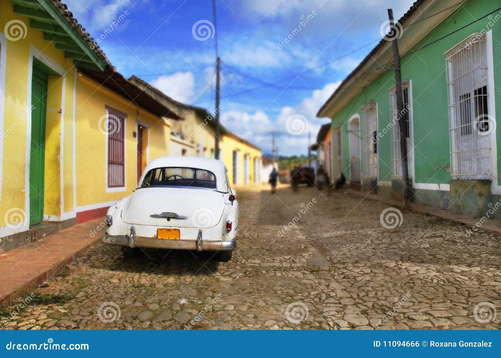 Véhicule dans la rue du Trinidad, Cuba