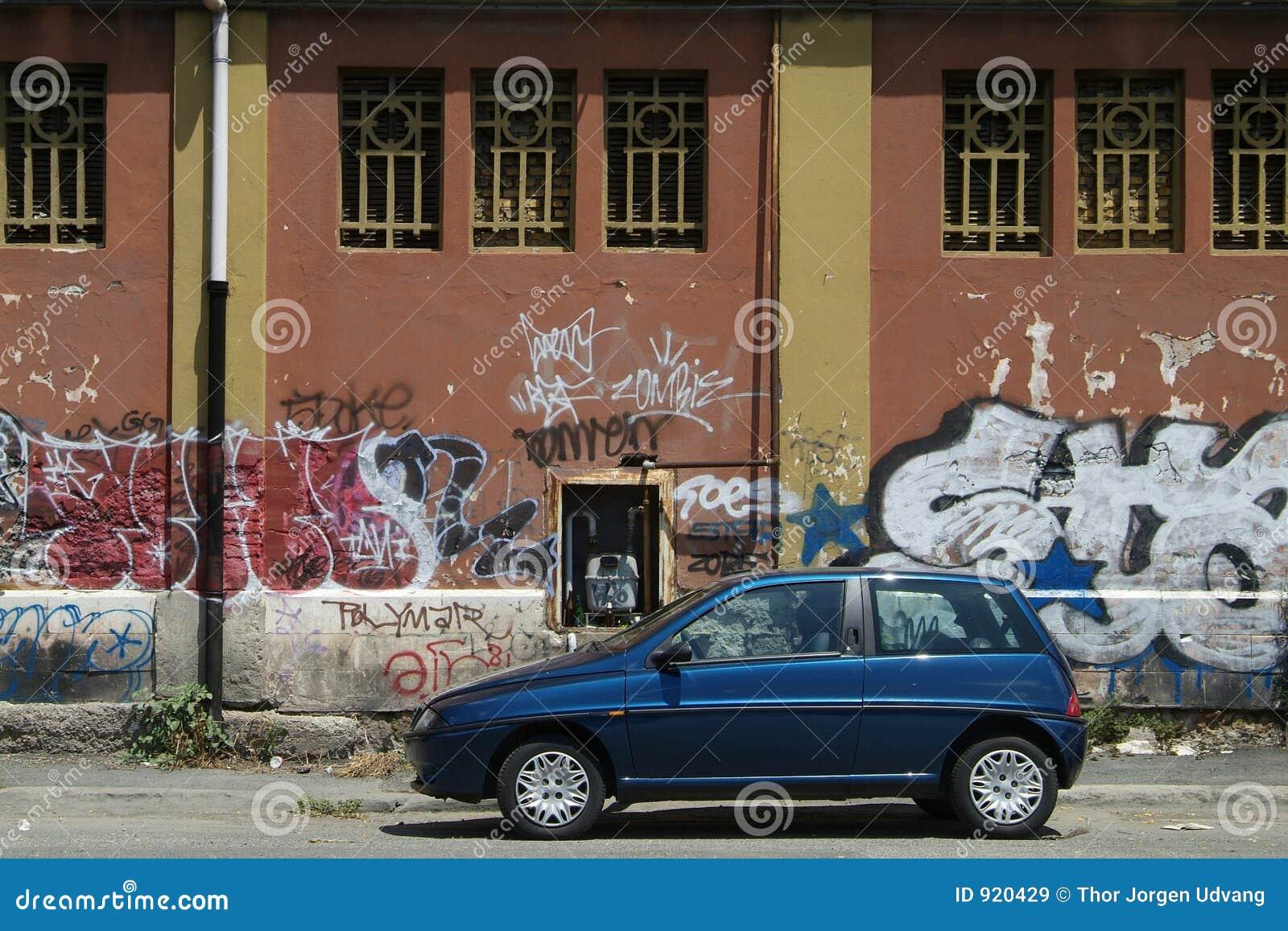 Véhicule et graffiti