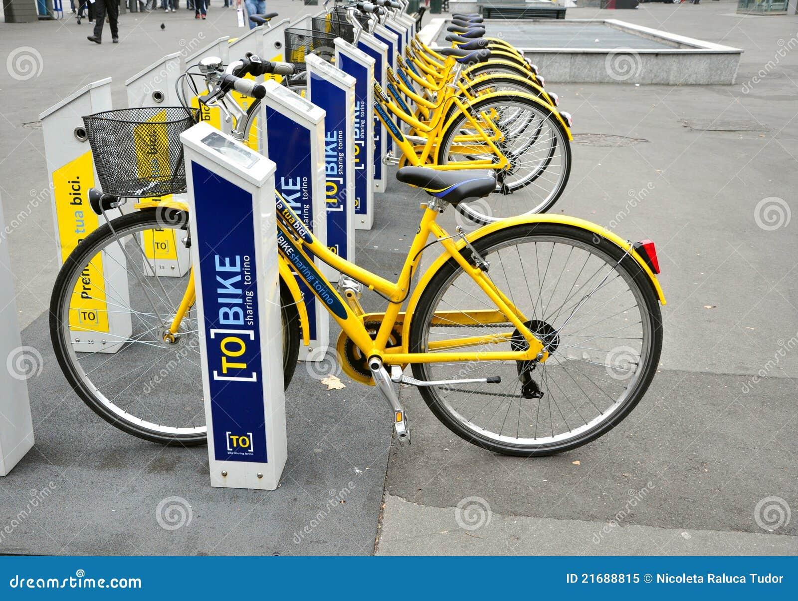 Vélo louant à Turin, Italie