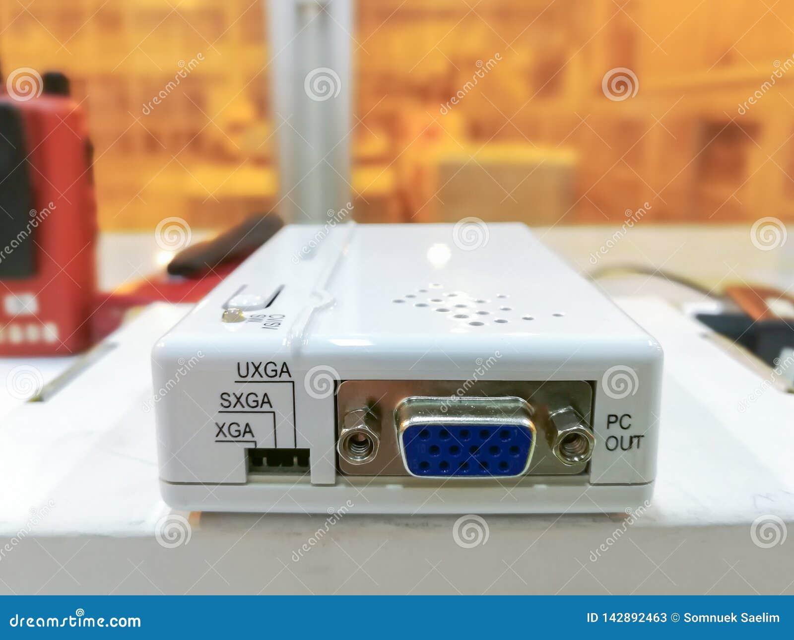 Vídeo eletrônico do conversor da caixa branca ao PC, módulo do conversor dos meios usado no fundo da indústria