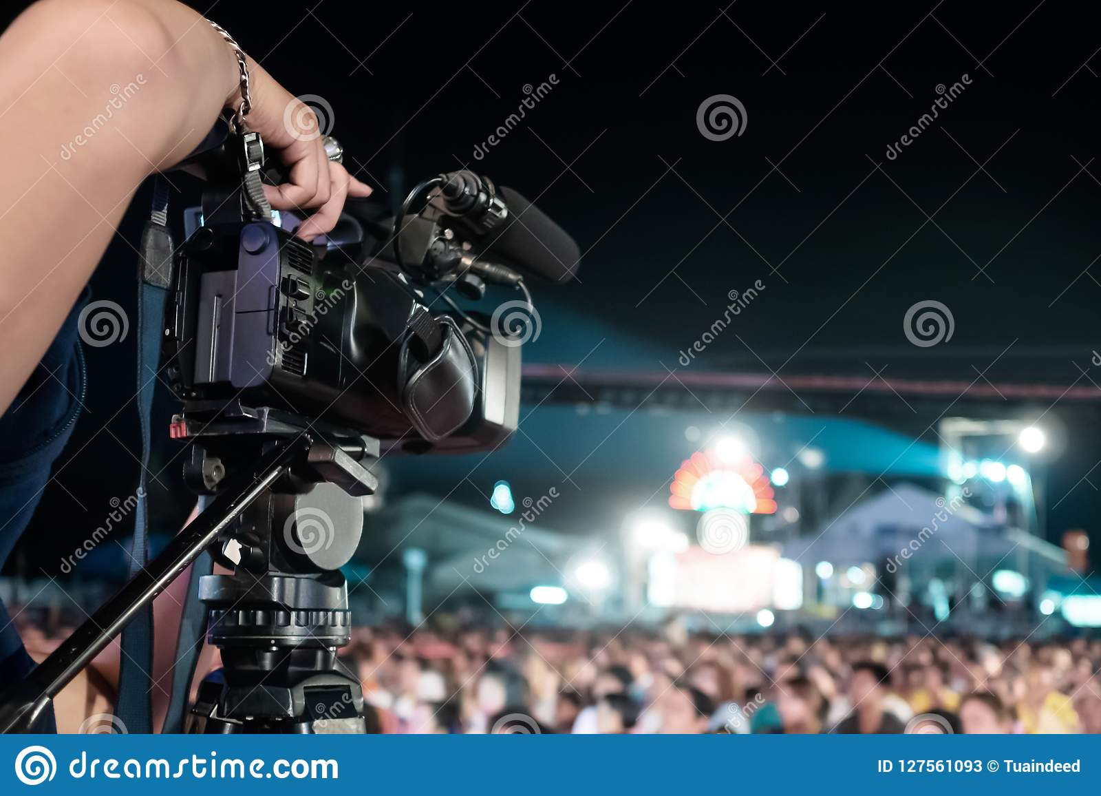 Vídeo profissional da gravação da câmara digital no festival do concerto da música