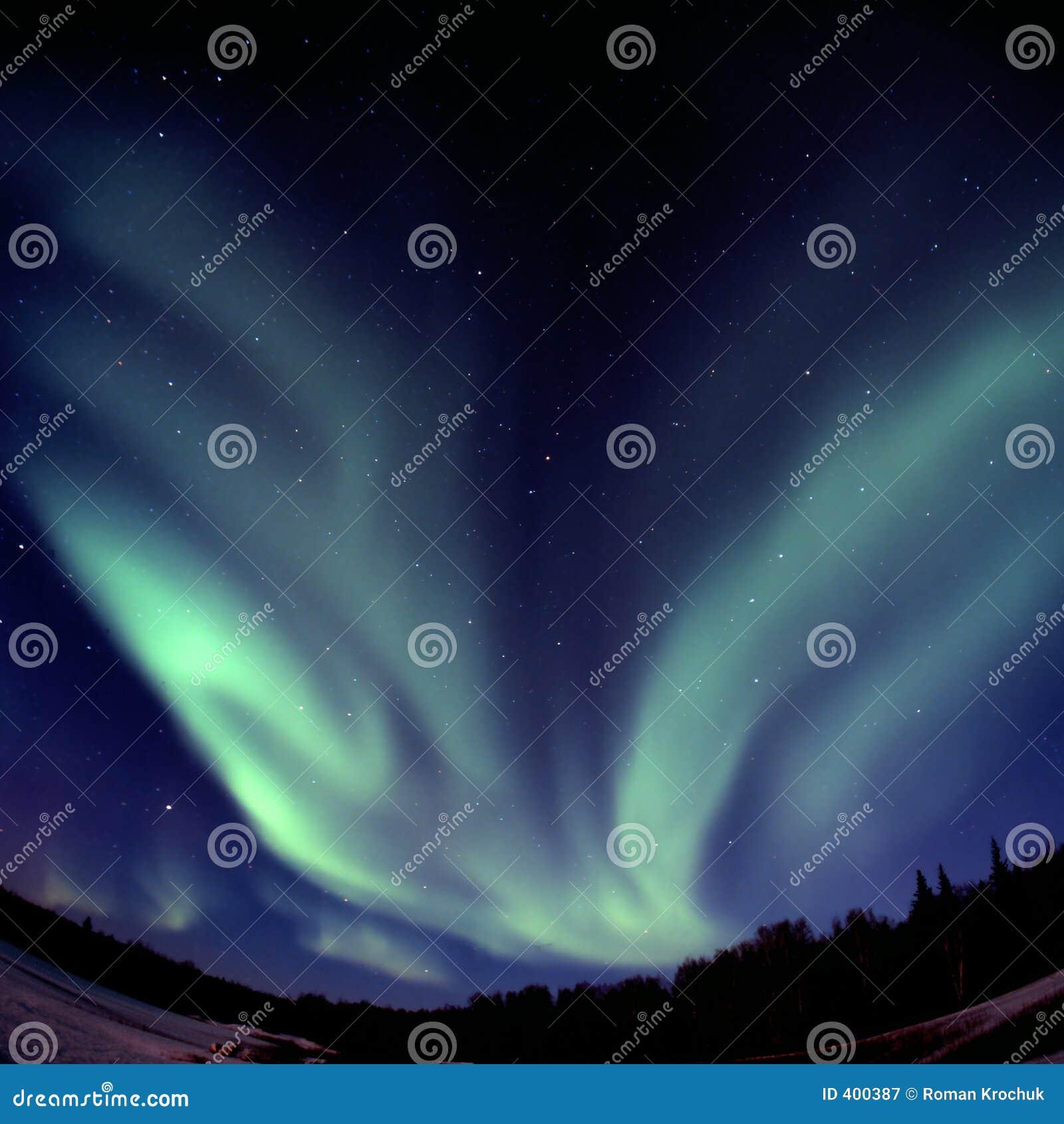 V-shaped aurora borelis arc