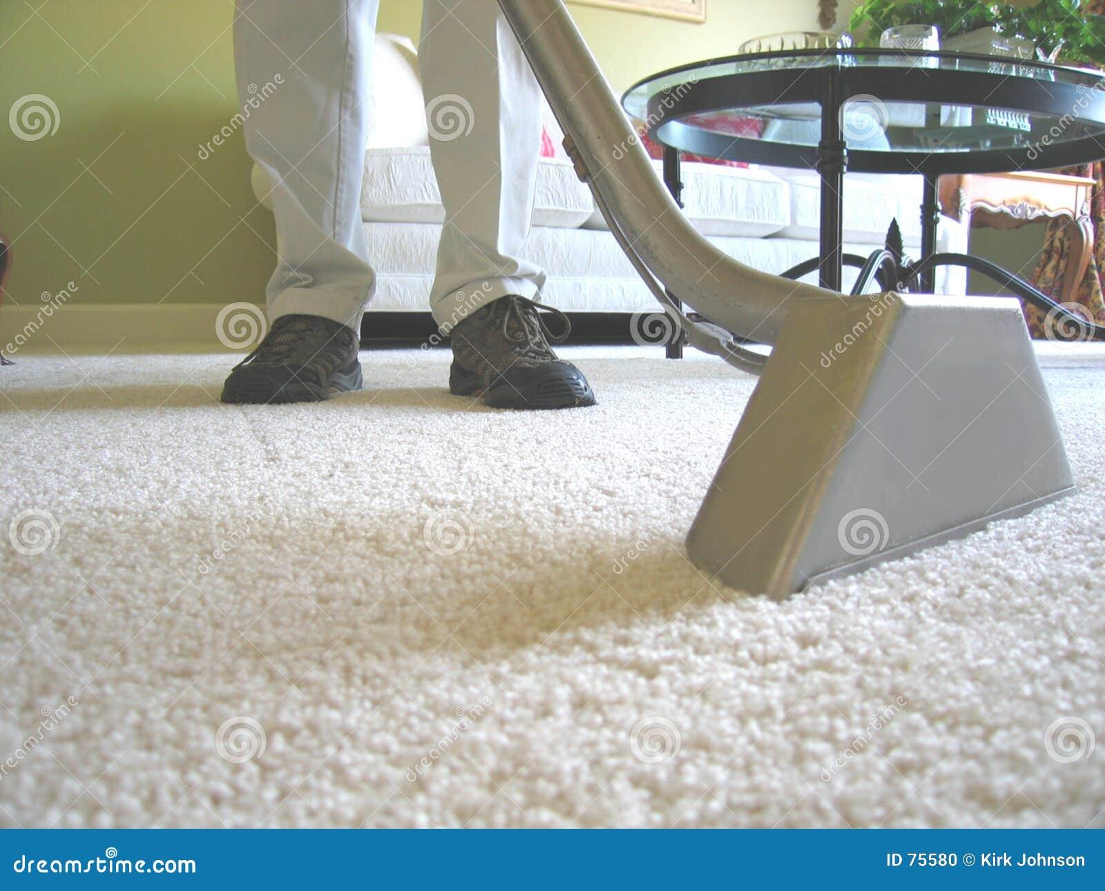 Vacío de la limpieza de la alfombra