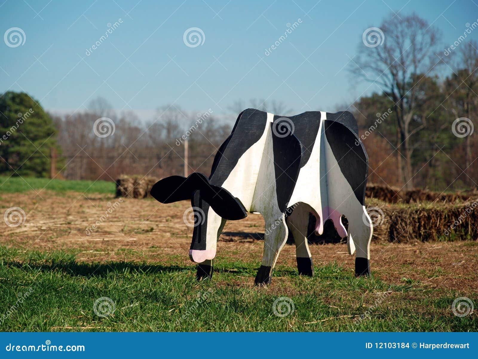Vaca de madera foto de archivo imagen de d a peque o for Vacas decorativas para jardin