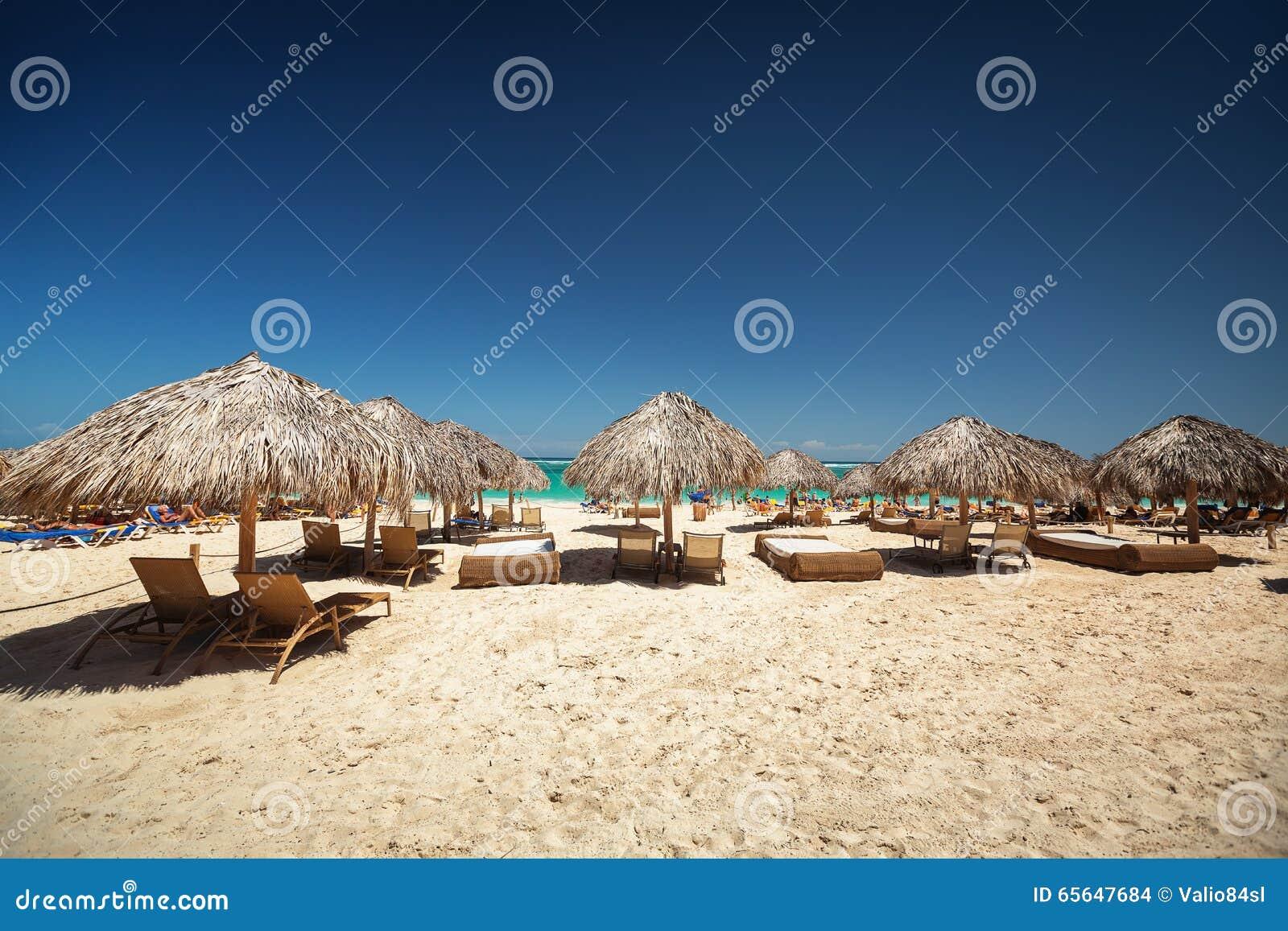 Vacances des Caraïbes, belle plage tropicale