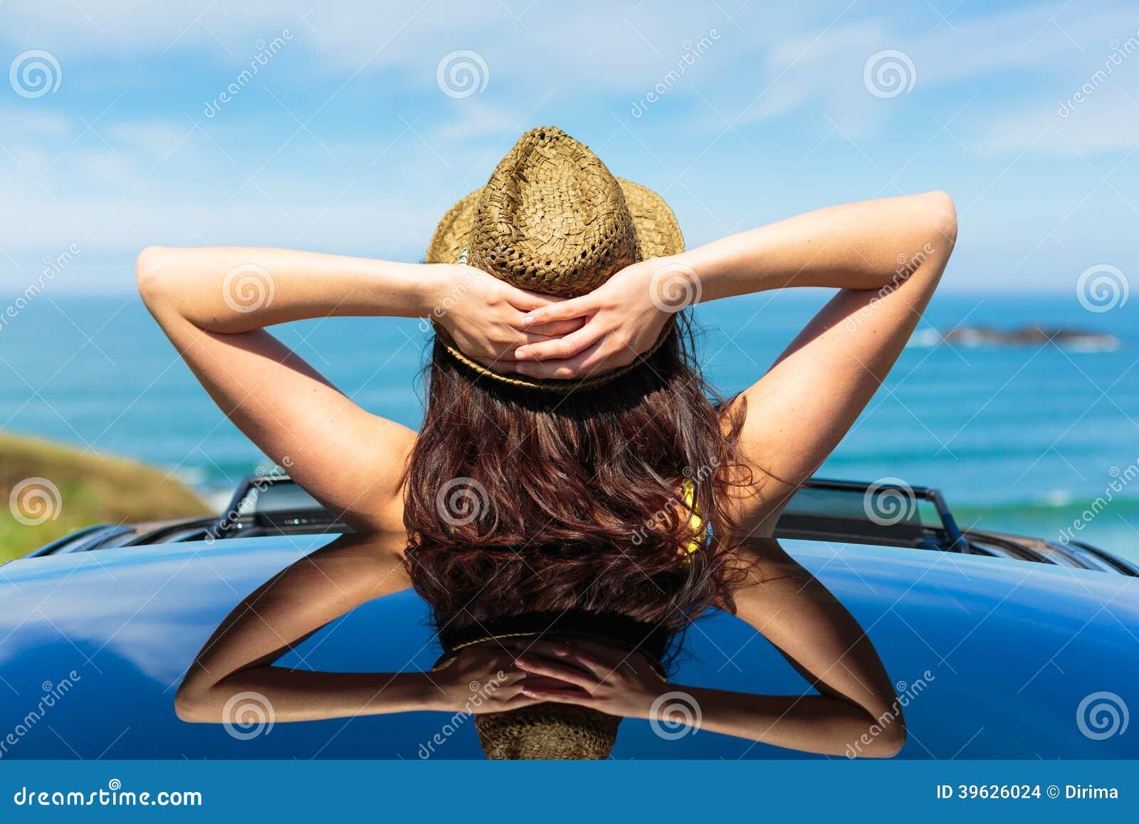 Vacanze estive di rilassamento di viaggio di automobile