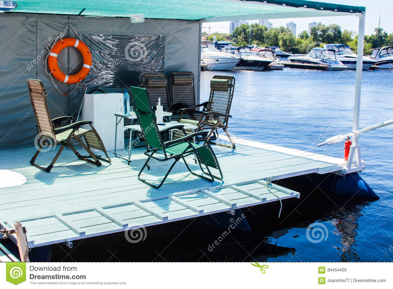 Tremendous Vacation And Slow Lifestyle Float House Good For Vacation Caraccident5 Cool Chair Designs And Ideas Caraccident5Info