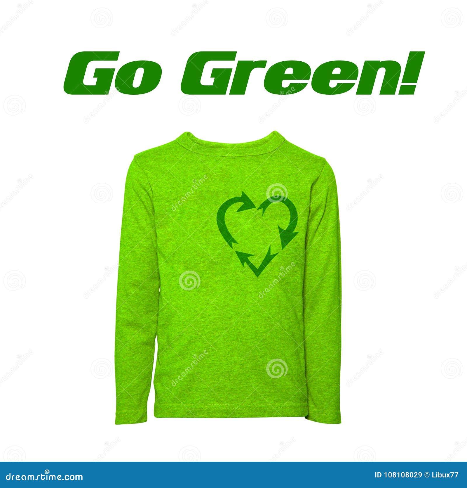 Vada verde riciclando il maglione a forma di cuore del segno isolato
