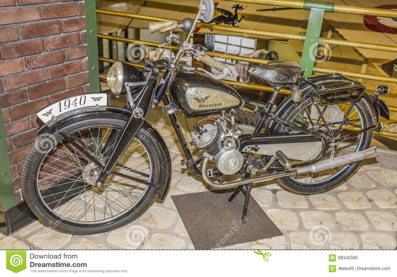 vagabond de bmw r 23 de moto l 39 allemagne 1938 1940 photo stock ditorial image du arm e. Black Bedroom Furniture Sets. Home Design Ideas