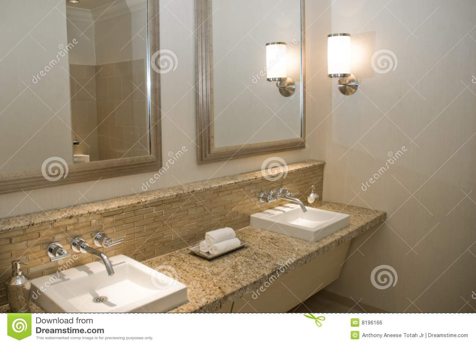 Vaidade de gama alta do banheiro