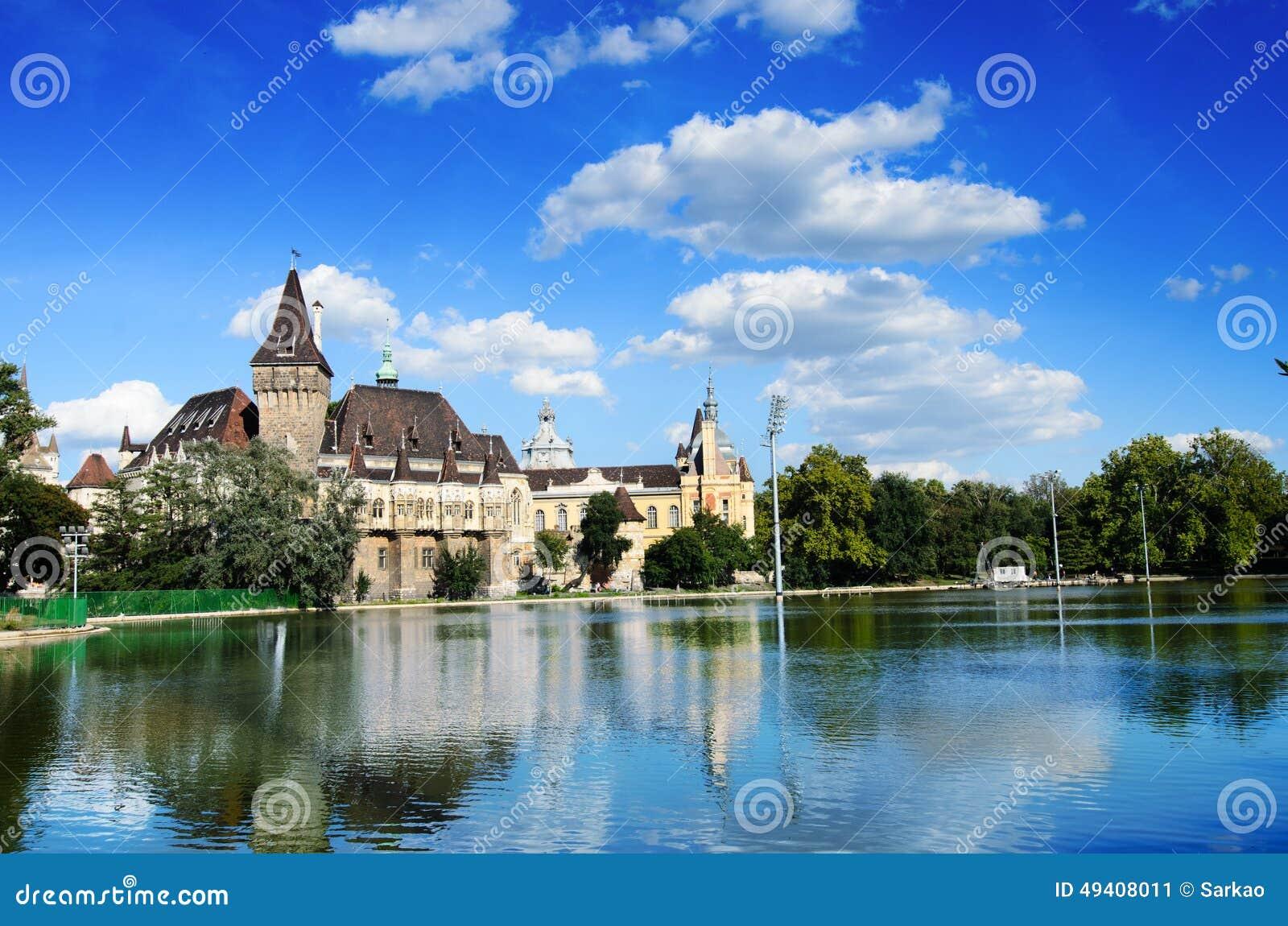 Download Vajdahunyad Schloss, Budapest Stockbild - Bild von blau, romantisch: 49408011