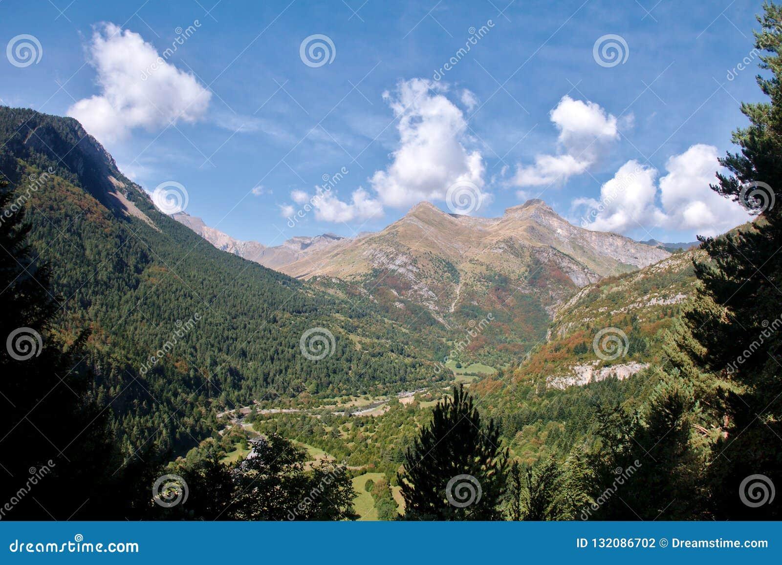 Vale spain france pyrenees de Bujaruelo