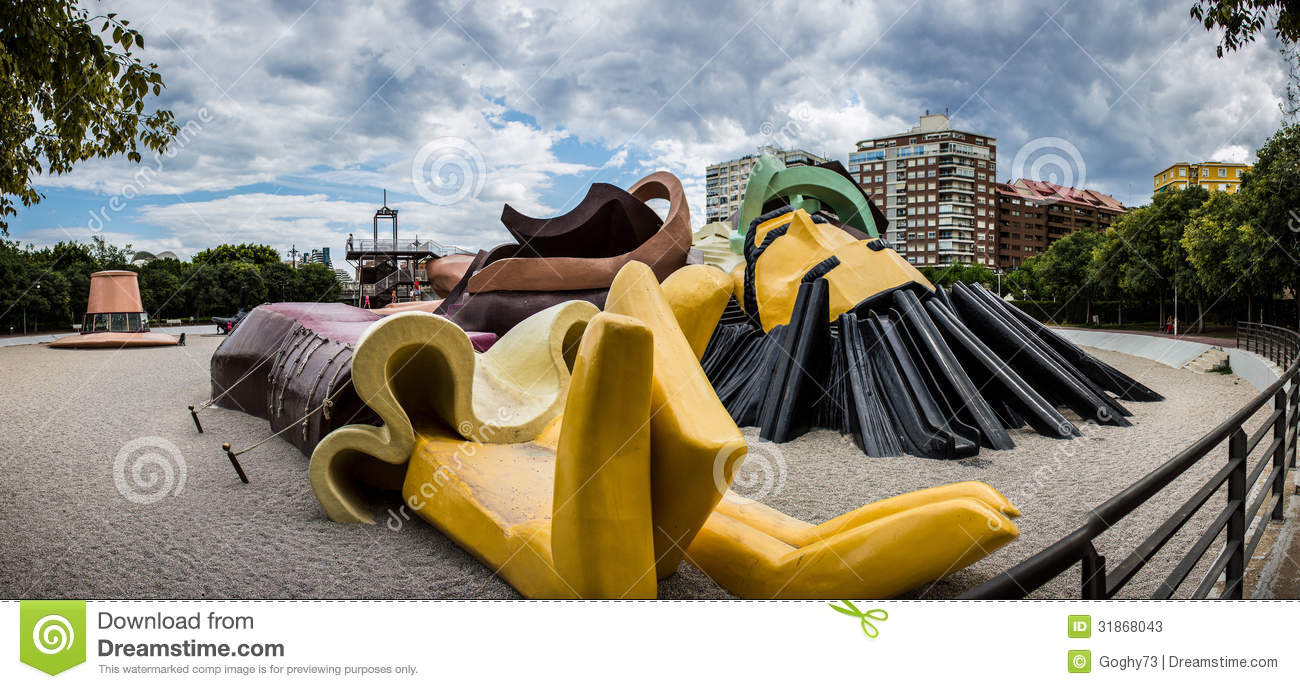 Valencia, Park Gulliver, a giant lying for adults and children to play ...