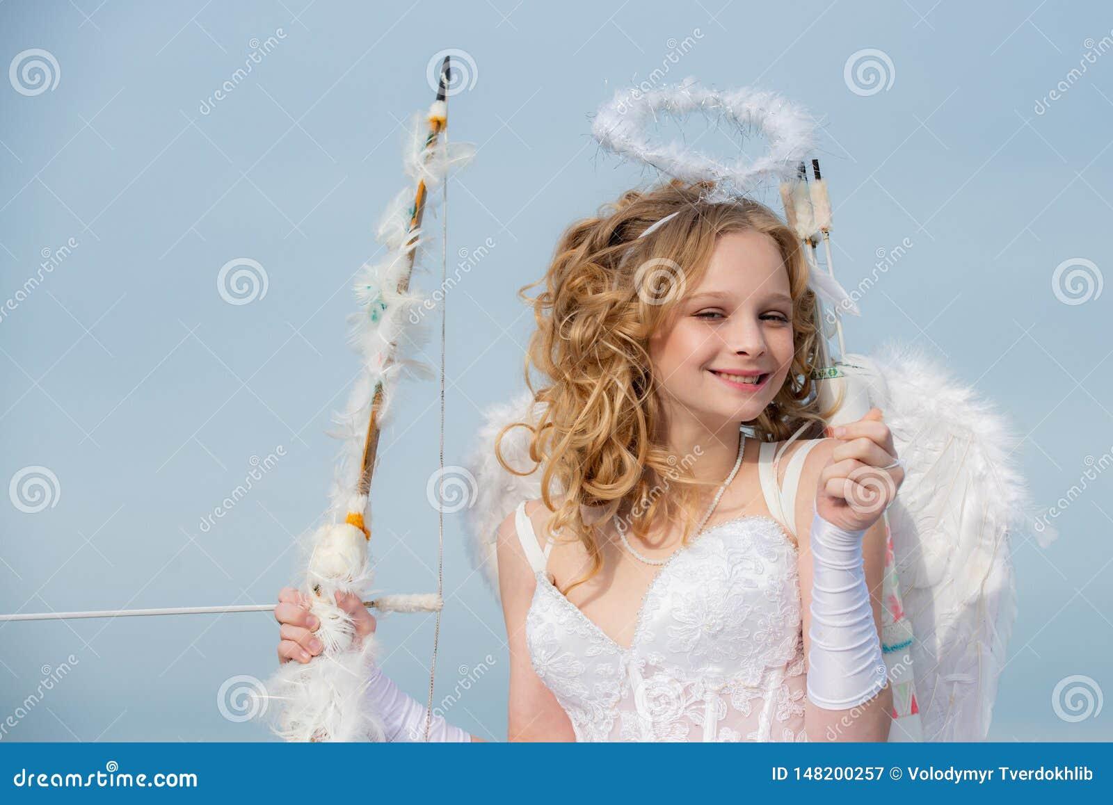 Valentine Day Gift Card - cupido adolescente del día de fiesta con amor Muchacha inocente Concepto de Daygirl de las tarjetas del