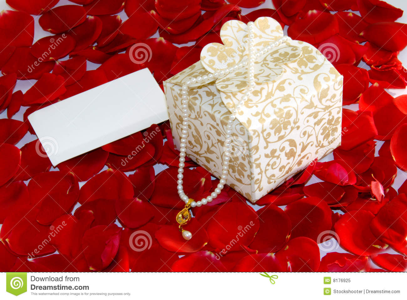Valentine Gift Pearl On Rose Petals Stock Image Image Of Colour