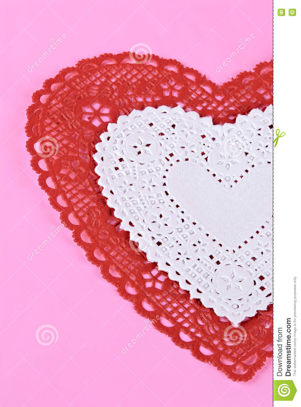 pink paper doilies Placemats and doilies from party value are a great way to keep tables free from food stains, spills, and scratches made from quality cotton or linen thread, these durable, disposable placemats are perfect for restaurants, banquet rooms, or catering events.