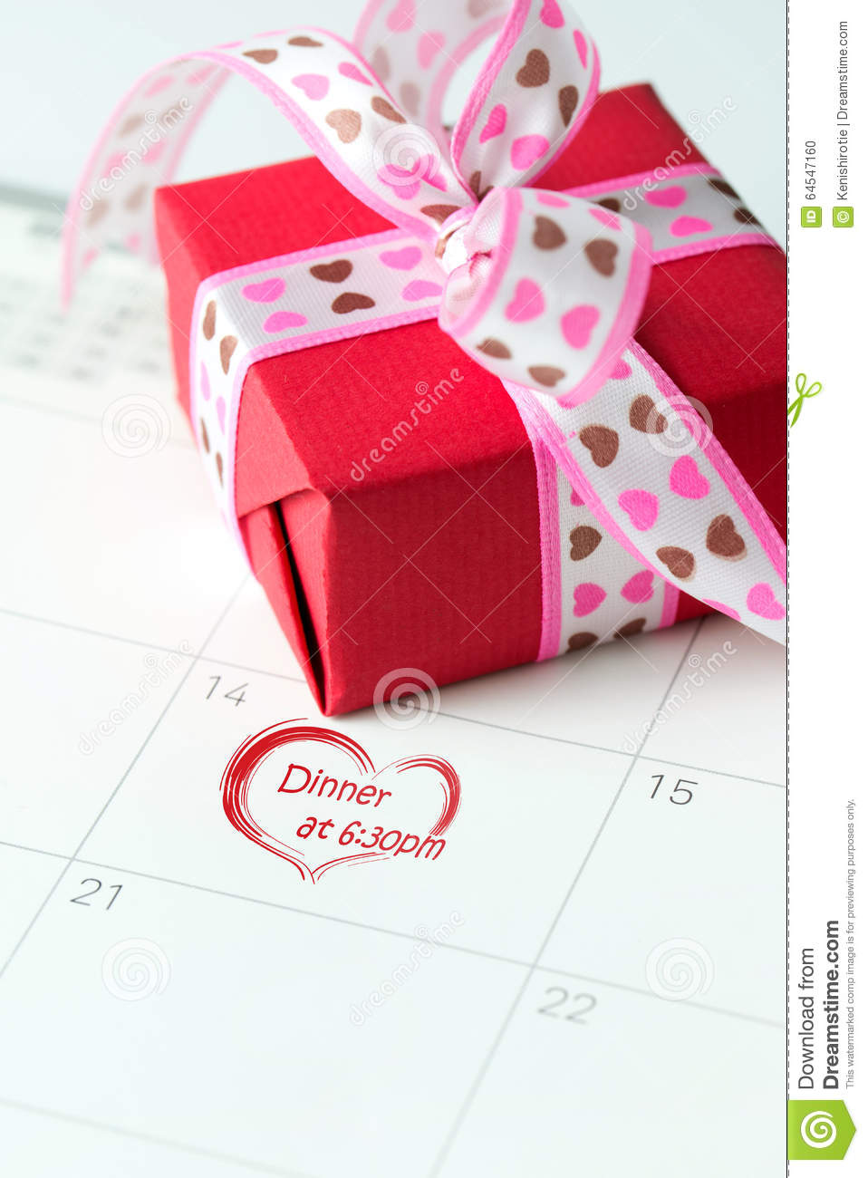 first valentines day dating Valentines and first dates might be less than appealing to you, but it is possible to have a great time without all the pressure and with little fuss.