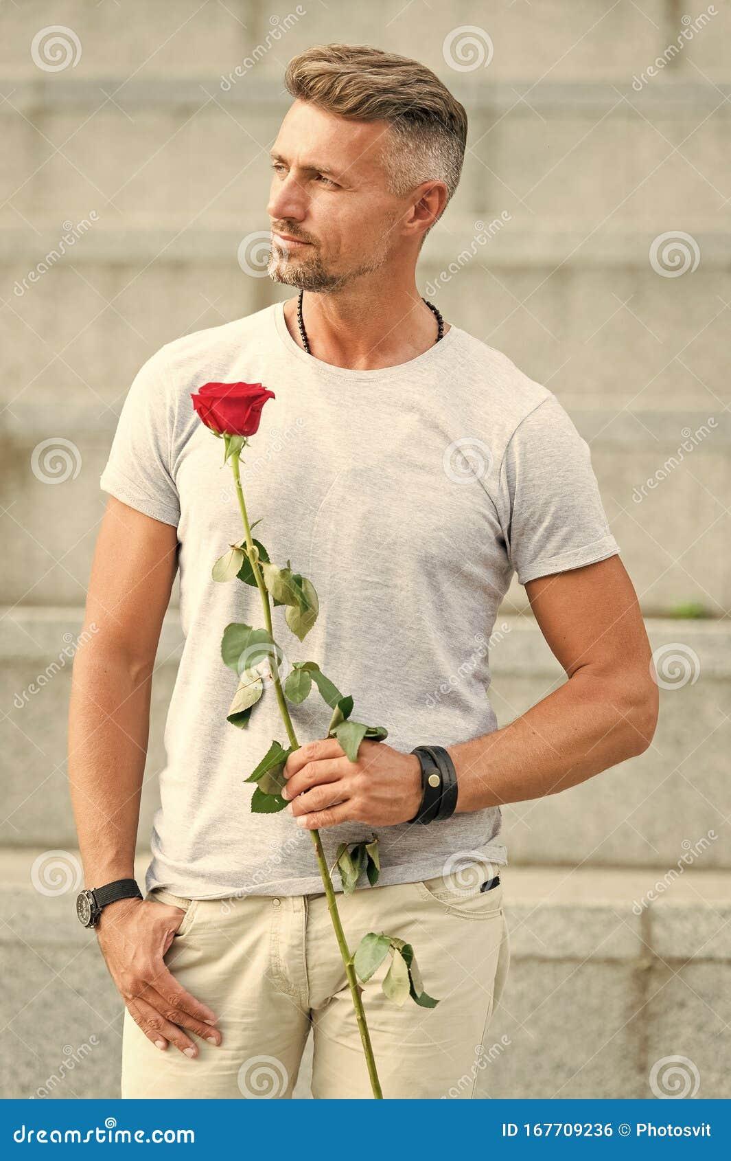 Dating Man Flower un bărbat din Timișoara cauta femei din Reșița