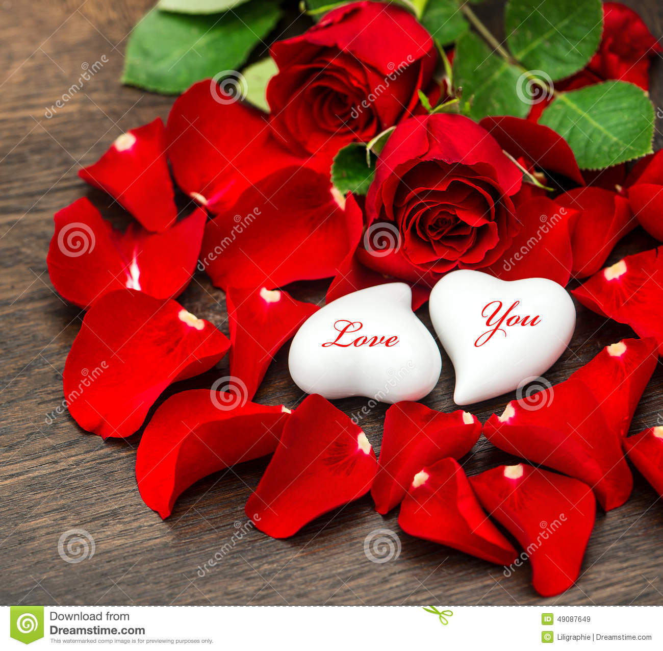 Two hearts and red roses stock photo for Deco saint valentin