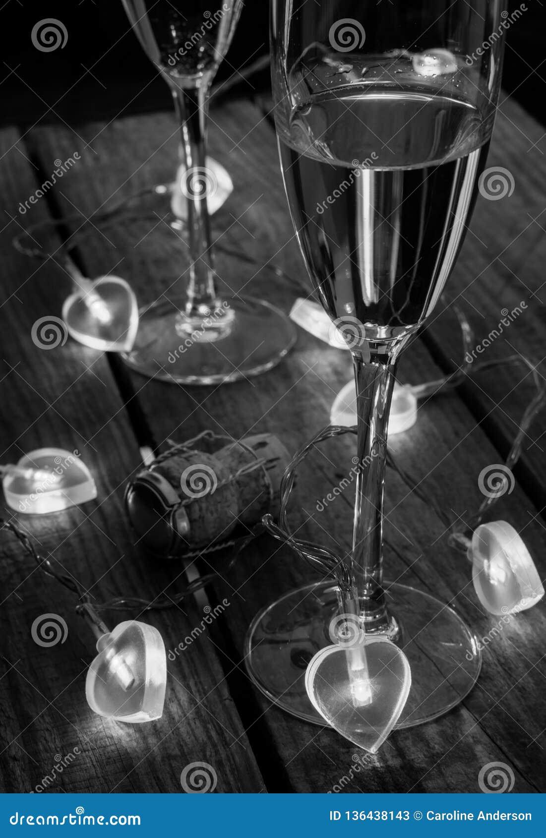 Valentinsgruß-Tag Champagne in Schwarzweiss