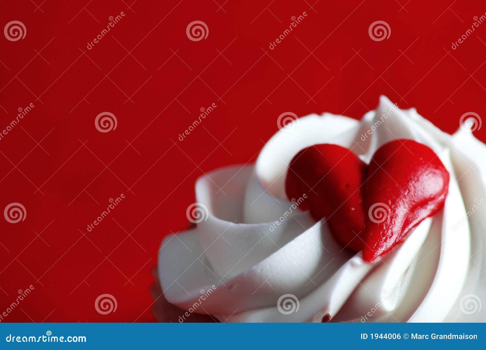 Valentinsgrußkleiner kuchen