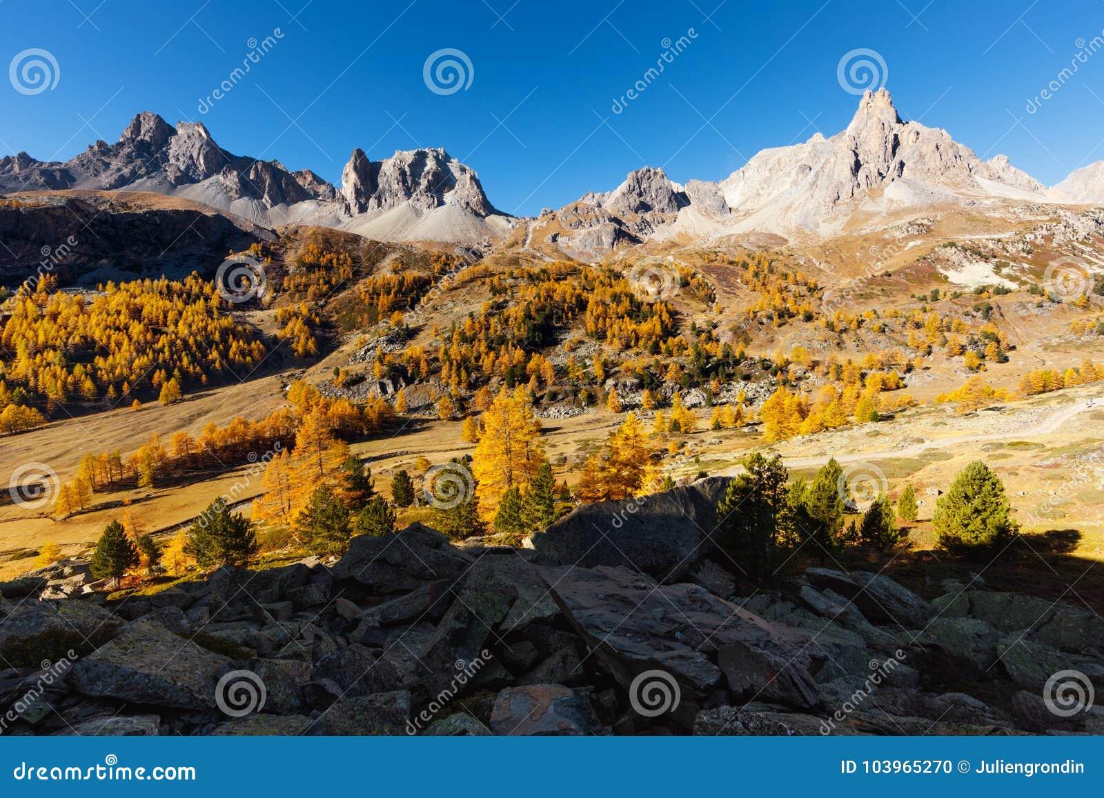 Vallée de la Clarée dans les Frances