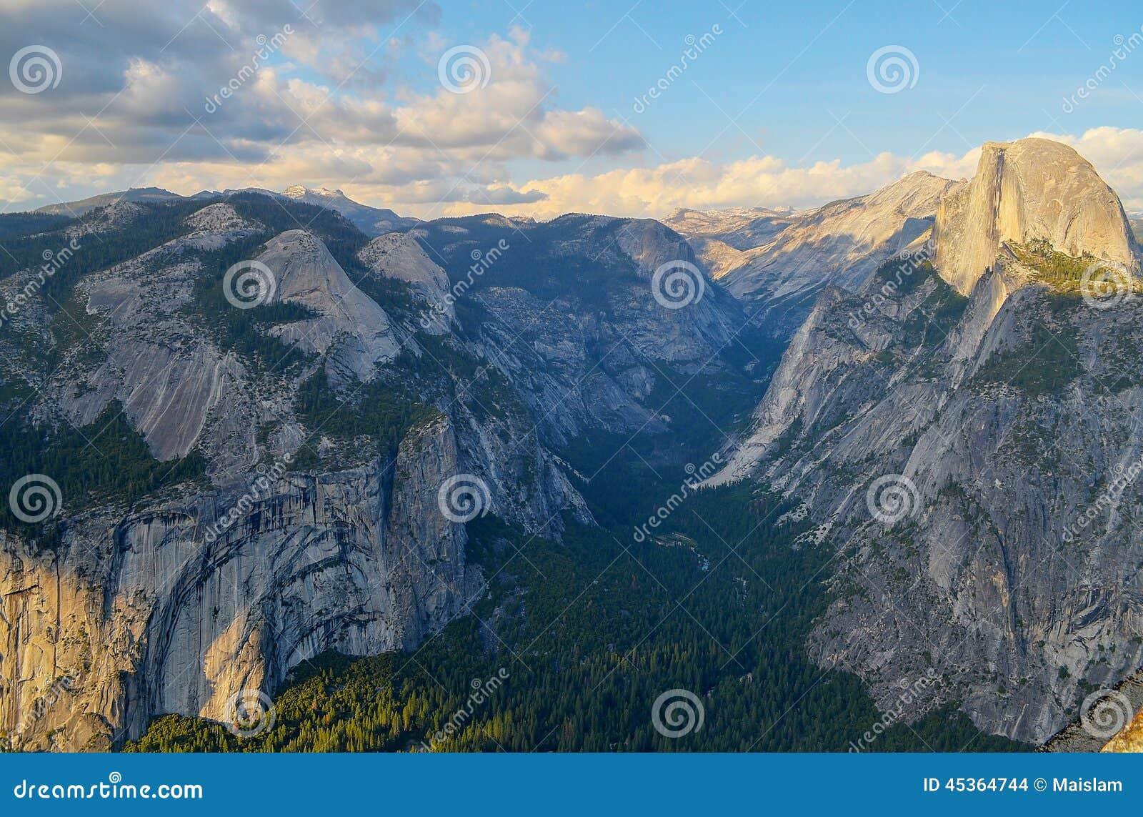 Vallée de Yosemite, voûtes royales et Moitié-dôme