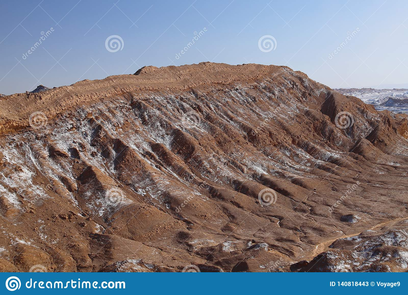 Valle de los angeles Luna - dolina księżyc śnieżyści volcanoes i, Atacama pustynia, Chile
