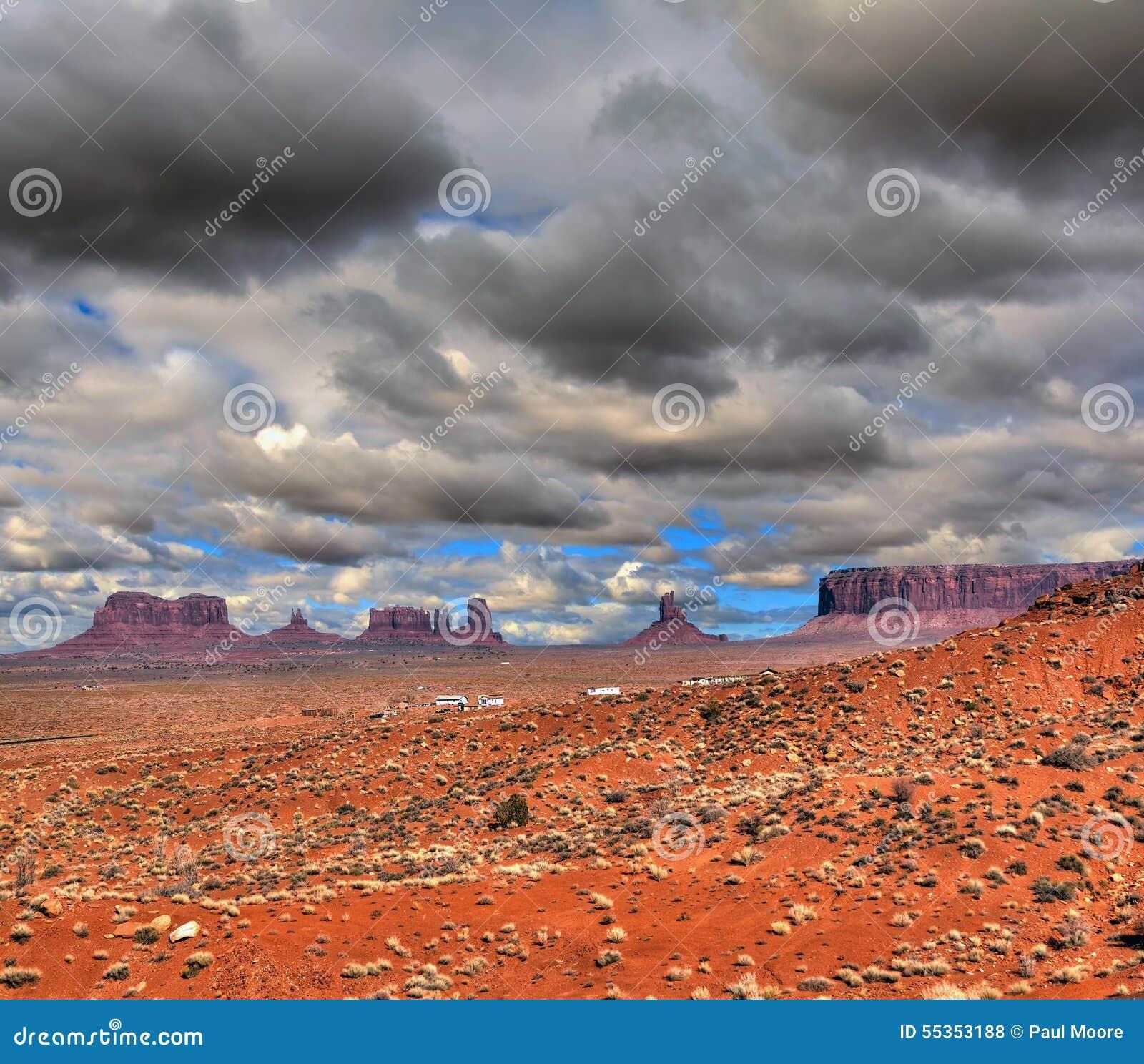 Valle del monumento dei cieli nuvolosi