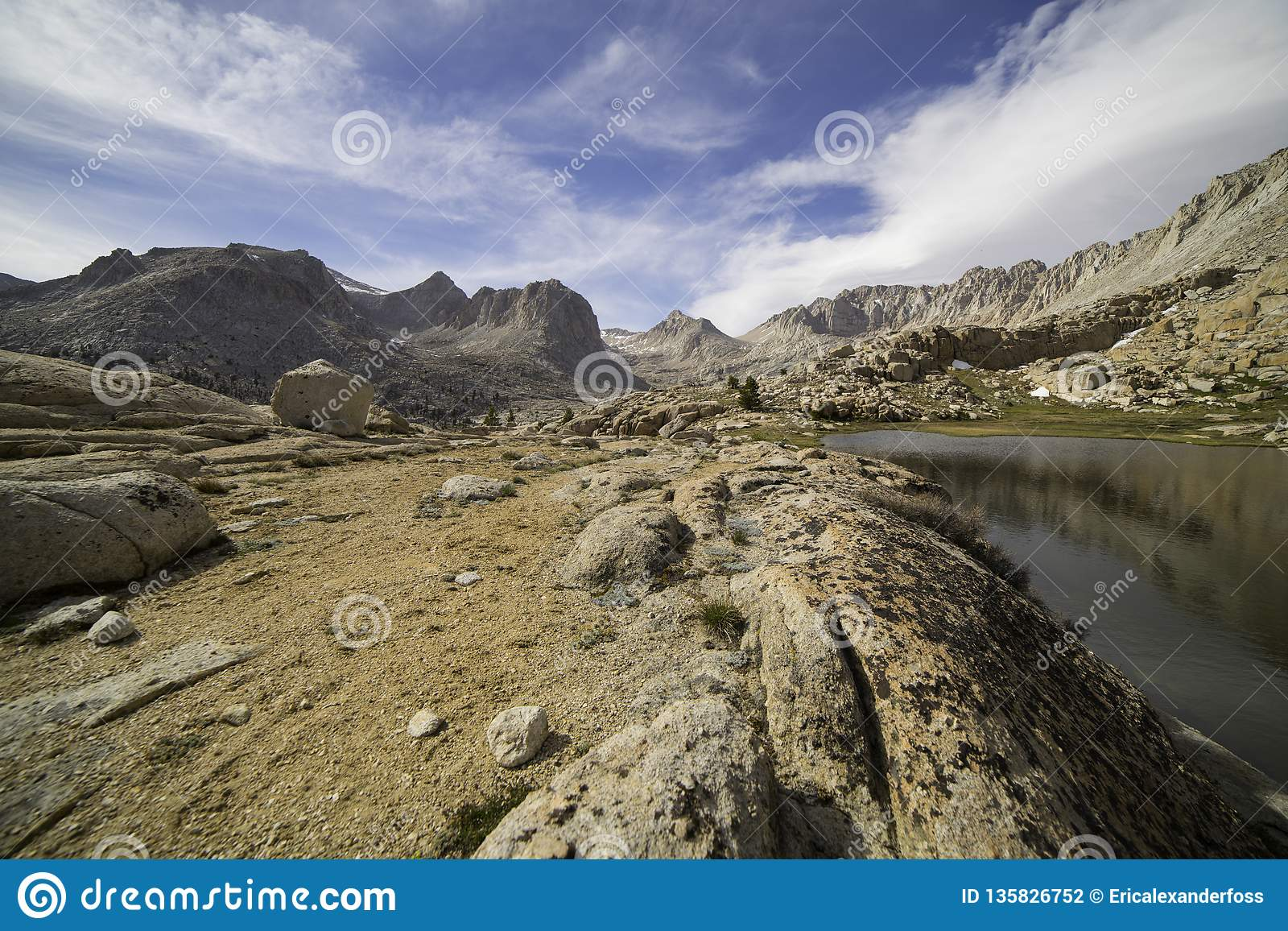 Vallei in Siërra Nevada Mountains