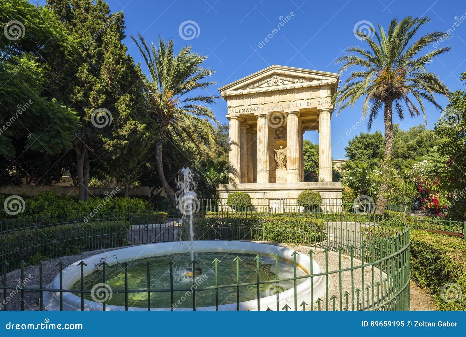 Valletta, Malta - die unteren Barrakka-Gärten mit Palmen
