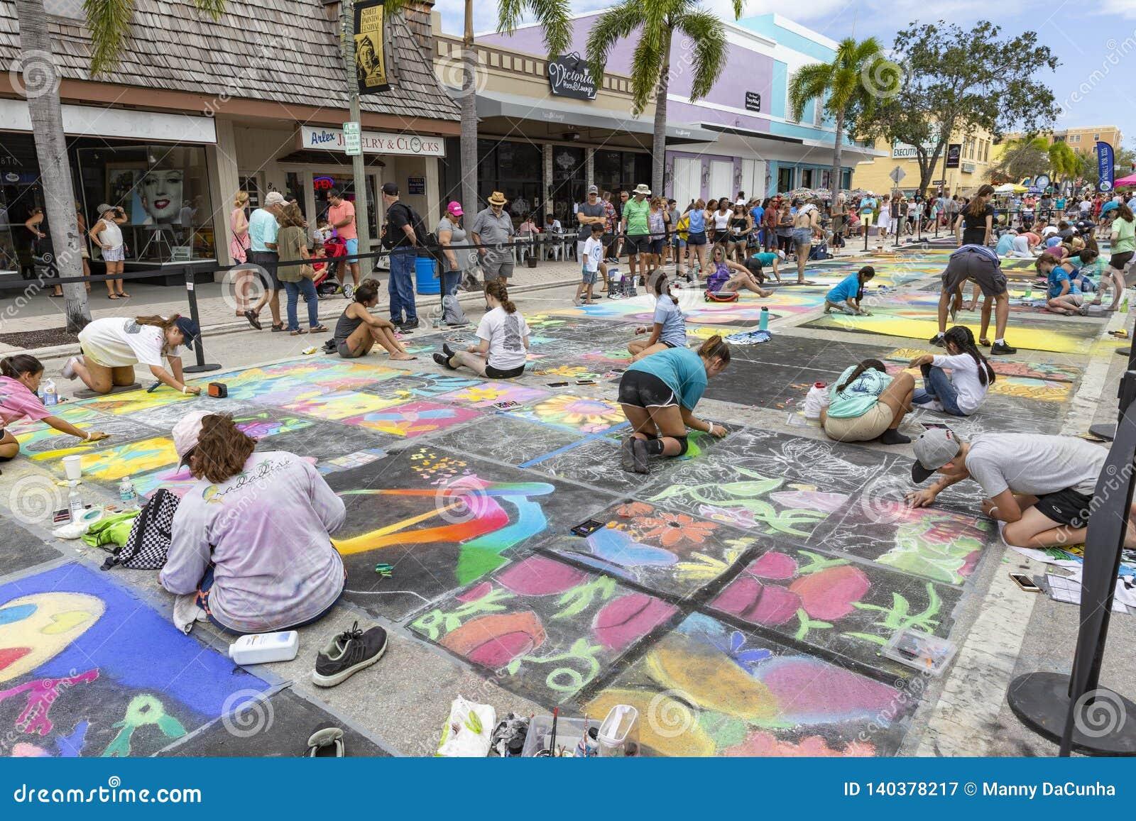 Valor del lago, la Florida, los E.E.U.U. 23-24 fabuloso, 25to Fest anual de la pintura de la calle 2019