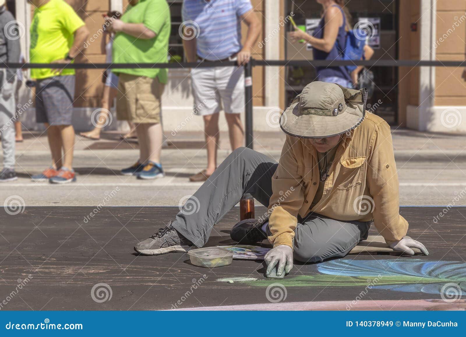 Valor do lago, Florida, EUA 23-24 fabuloso, 25o Fest anual da pintura da rua 2019
