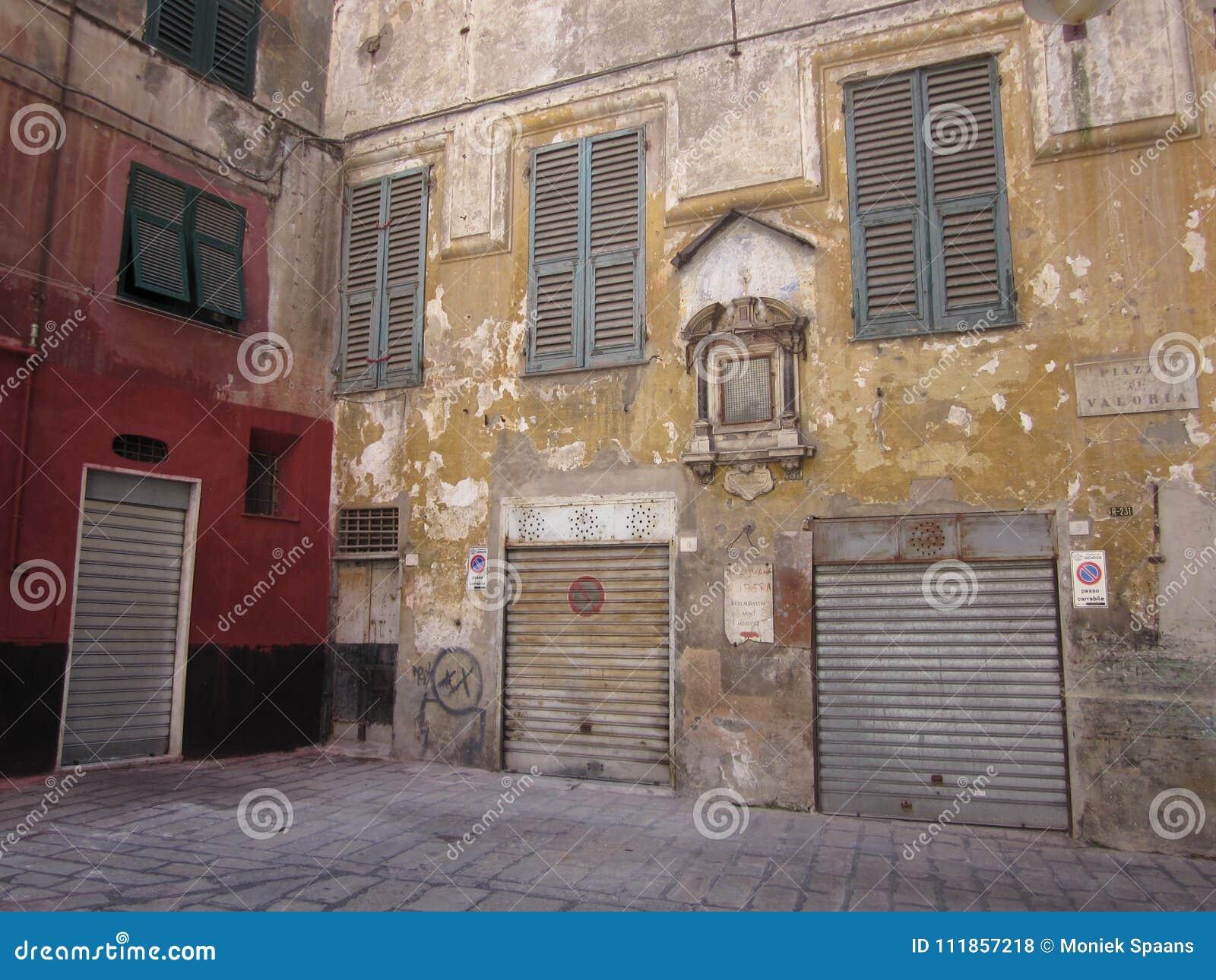 Valori della piazza Genova con le porte chiuse