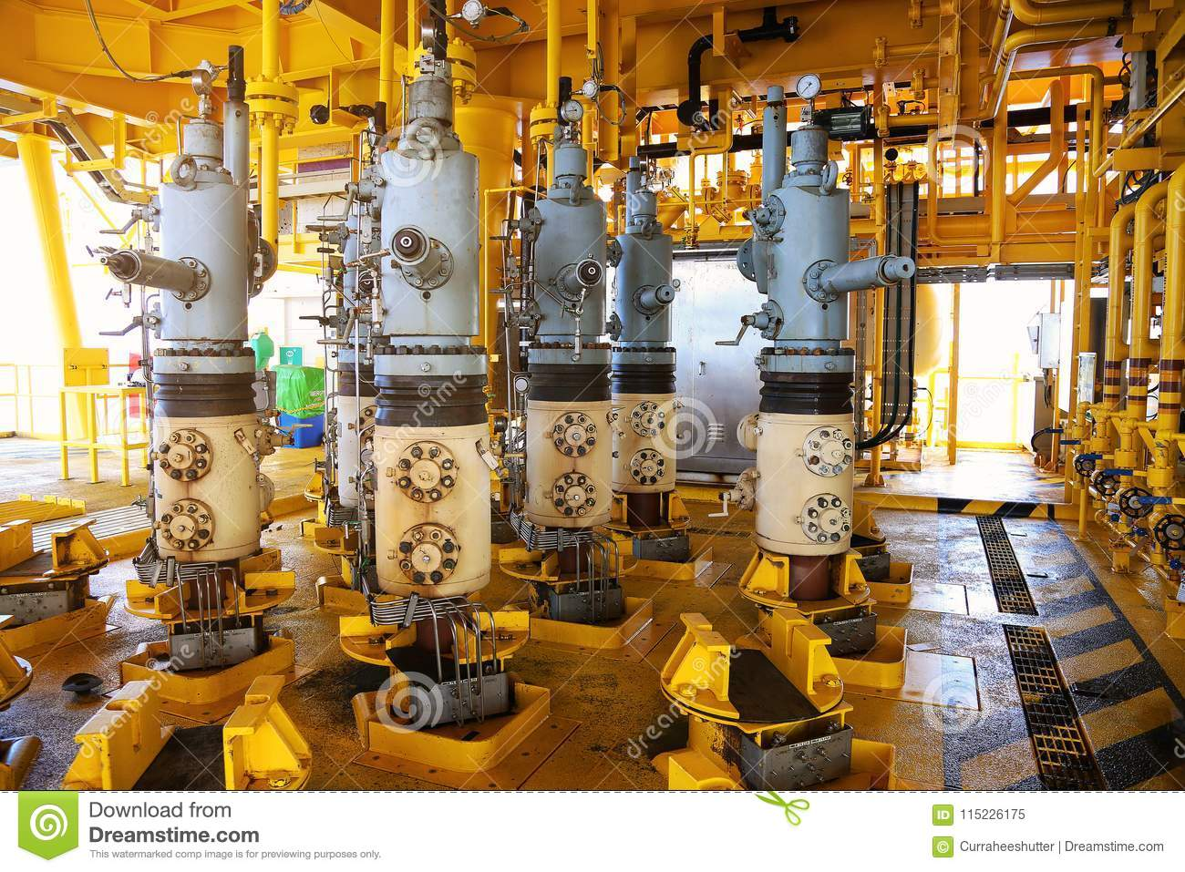 Valves manual in the process,Production process used manual valve to control  the system,